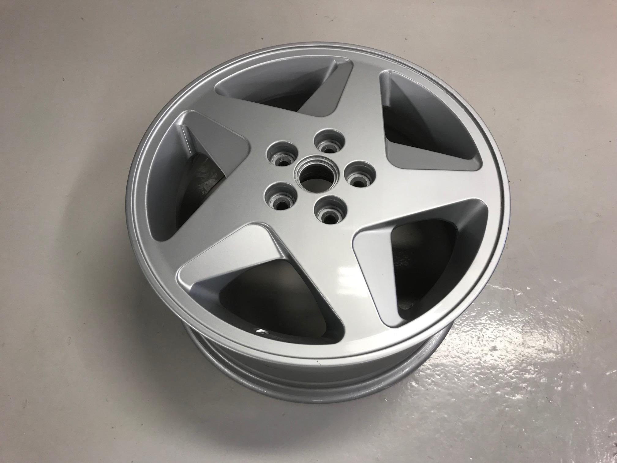 RH Rear Wheel Rim 348