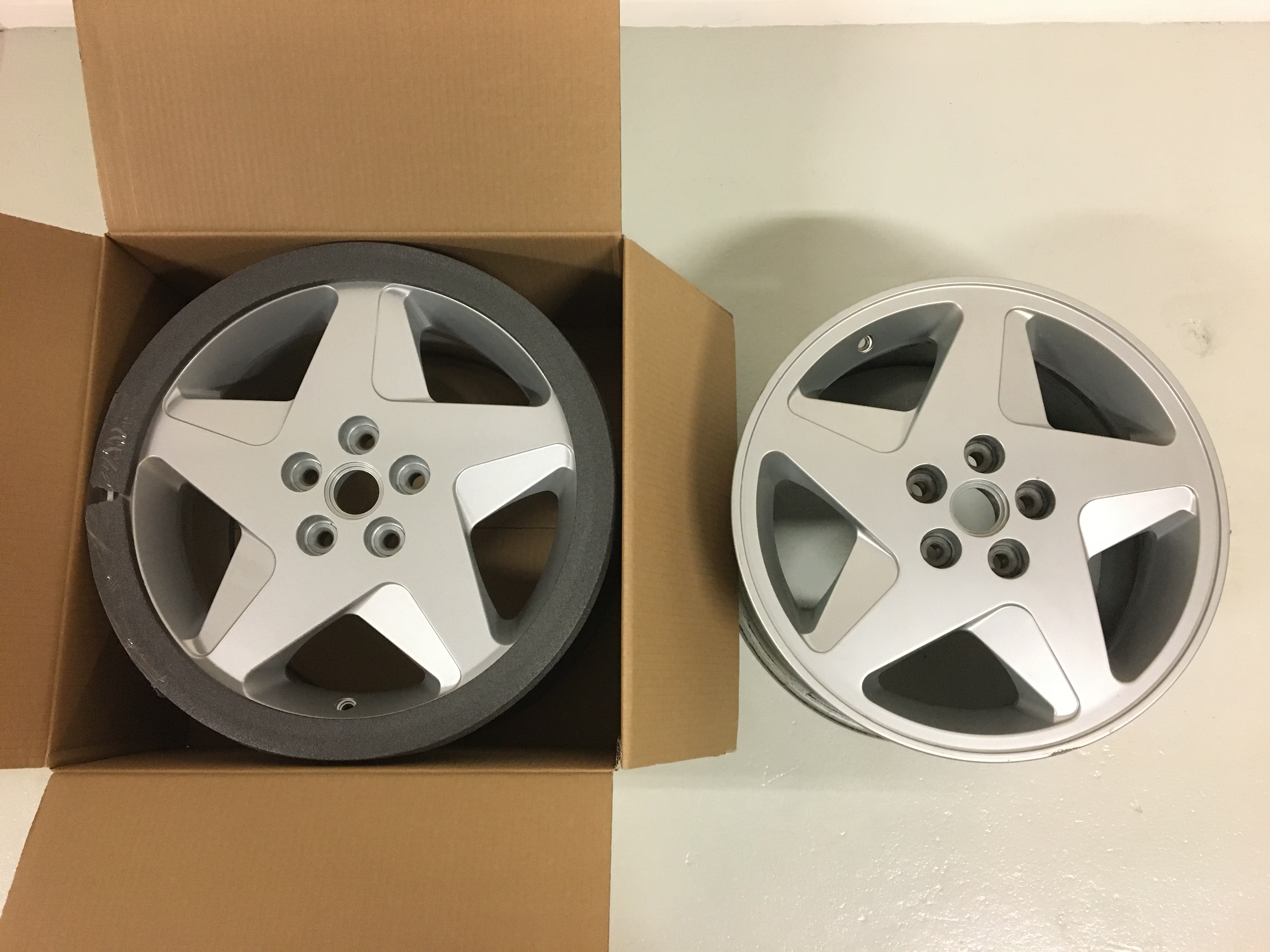 LH Rear Wheel Rim 348