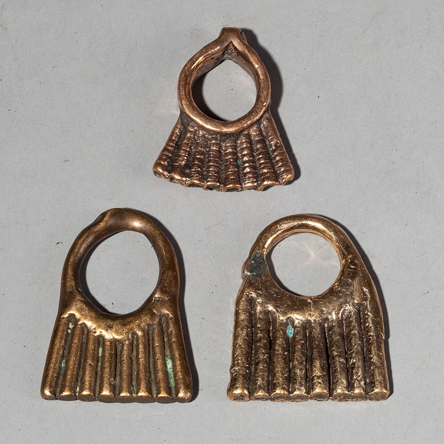 A GROUP OF THREE OLD COPPER PENDANTS FROM ETHIOPIA ( No 2124 )