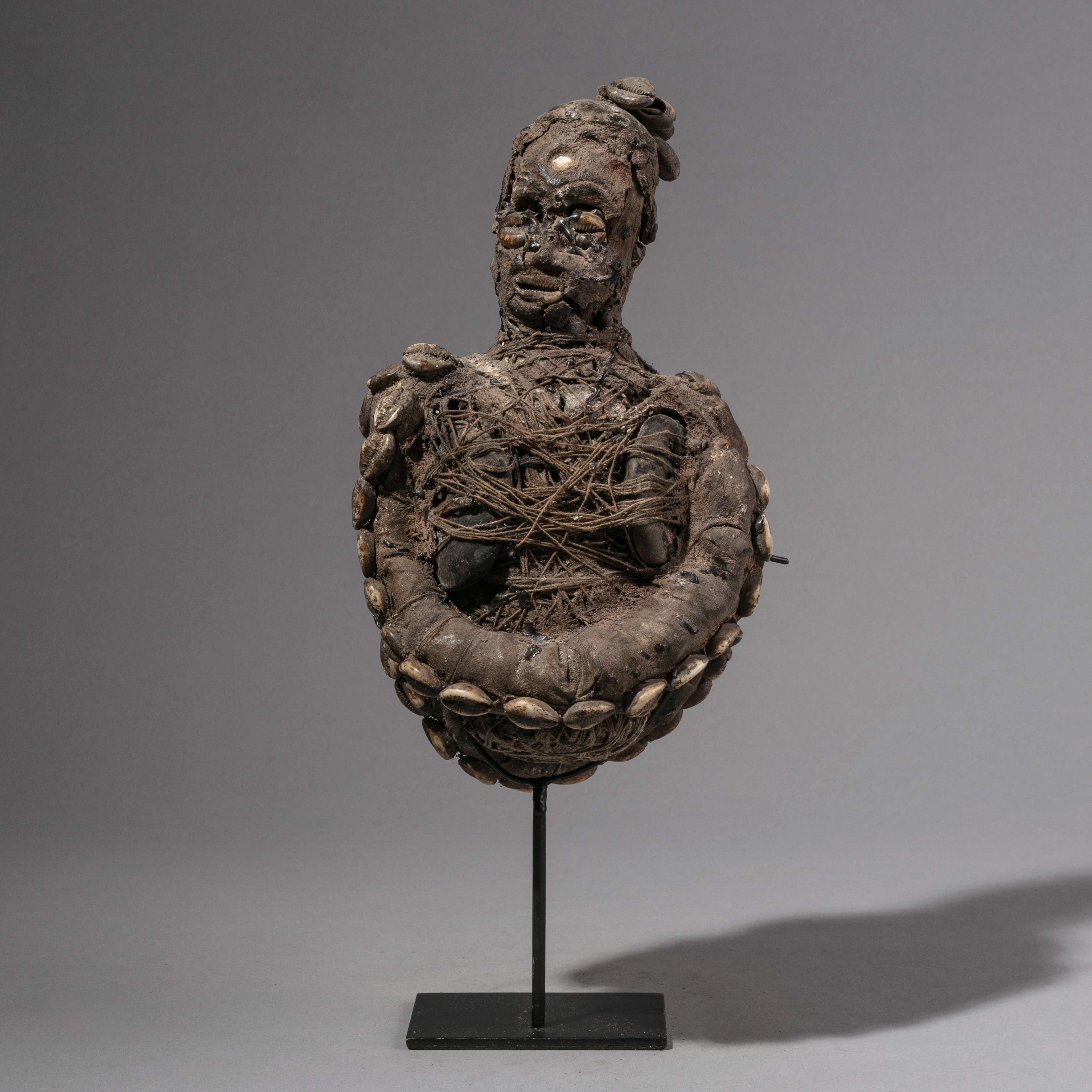 SD AN OTHERWORLDLY JANUS BOLO FETISH FIGURE FROM NIGERIA  ( No 1206 )