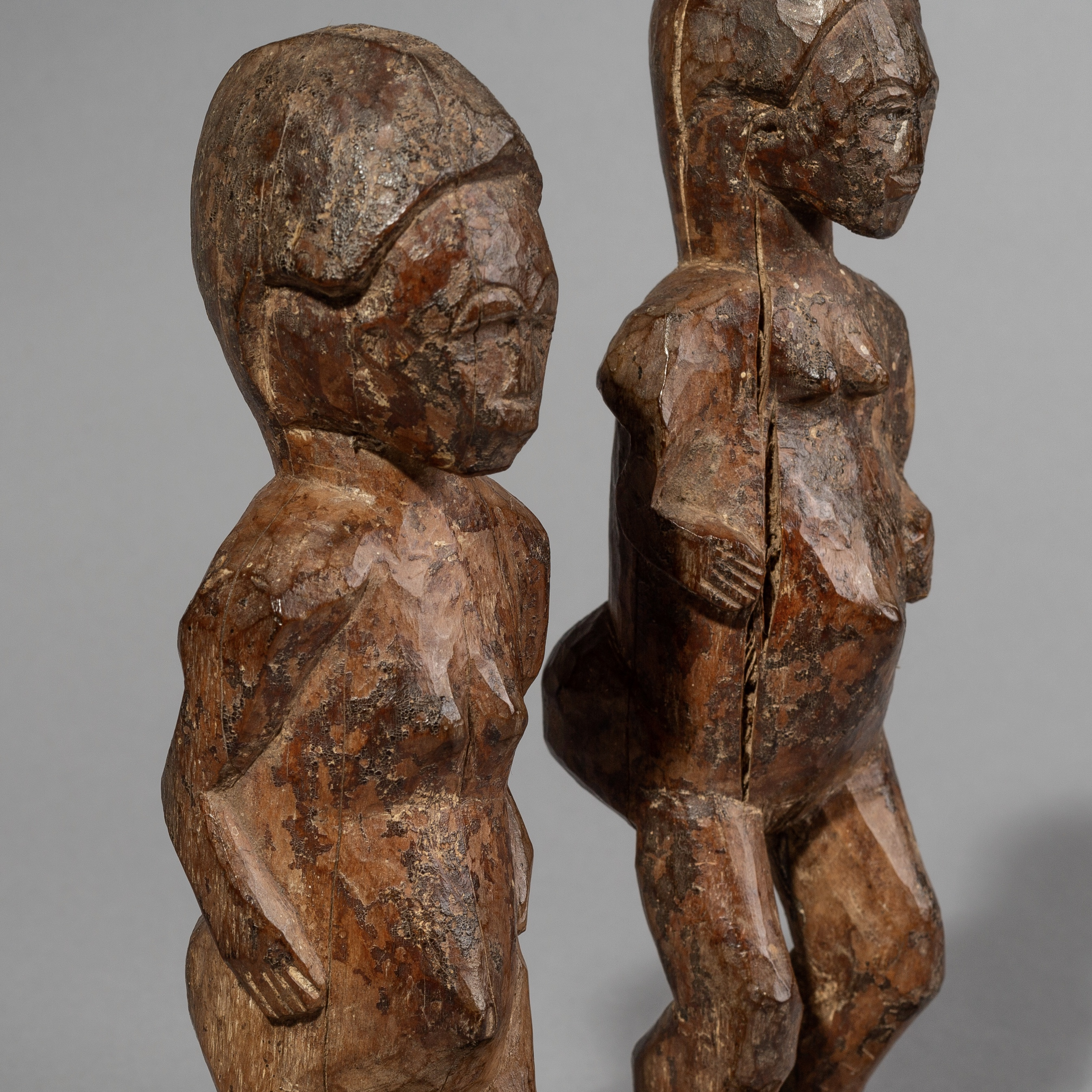 SD A PAIR OF BAULE ABSTRACT ALTAR FIGURES FROM THE IVORY COAST ( No 1488 )