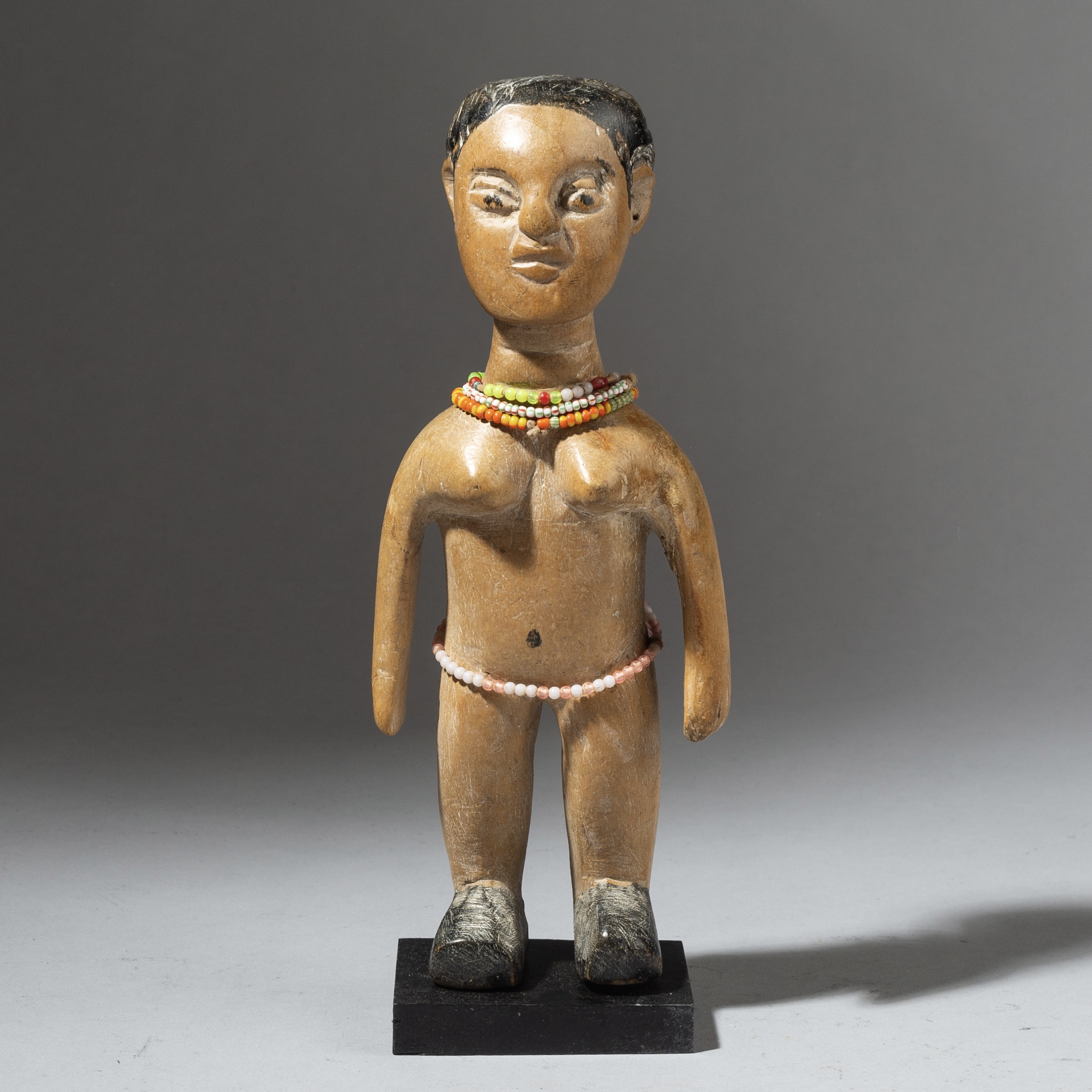 AN  EWE VENAVI DOLL WITH UNIQUE FEATURES, GHANA ( No 3019 )