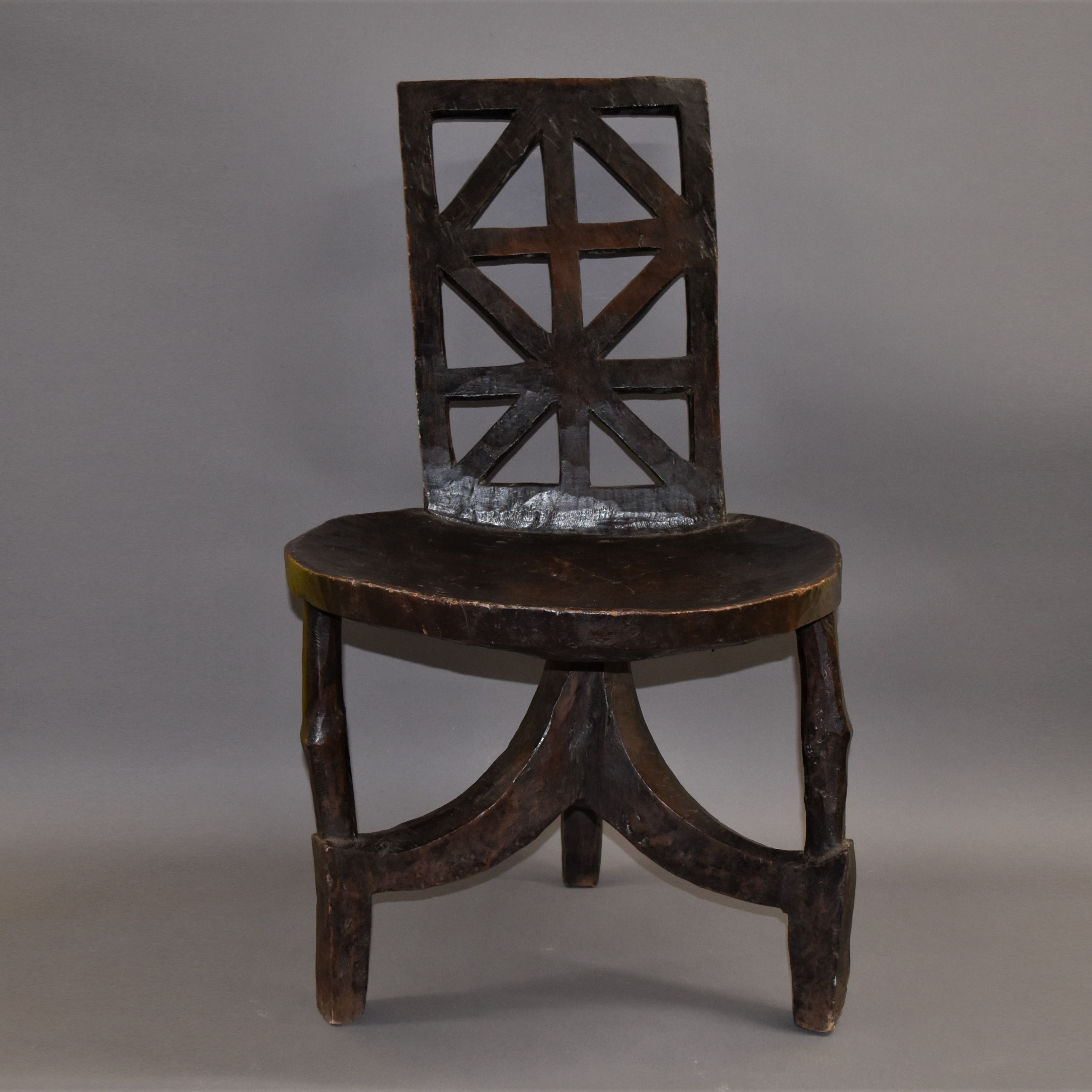 MAGESTIC ETHIOPIAN CHAIR  post to  EU only ( No 437 )