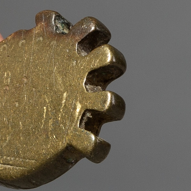 A CHUNKY 17THC AKAN GOLD MEASURING WEIGHT ( No 2179 )