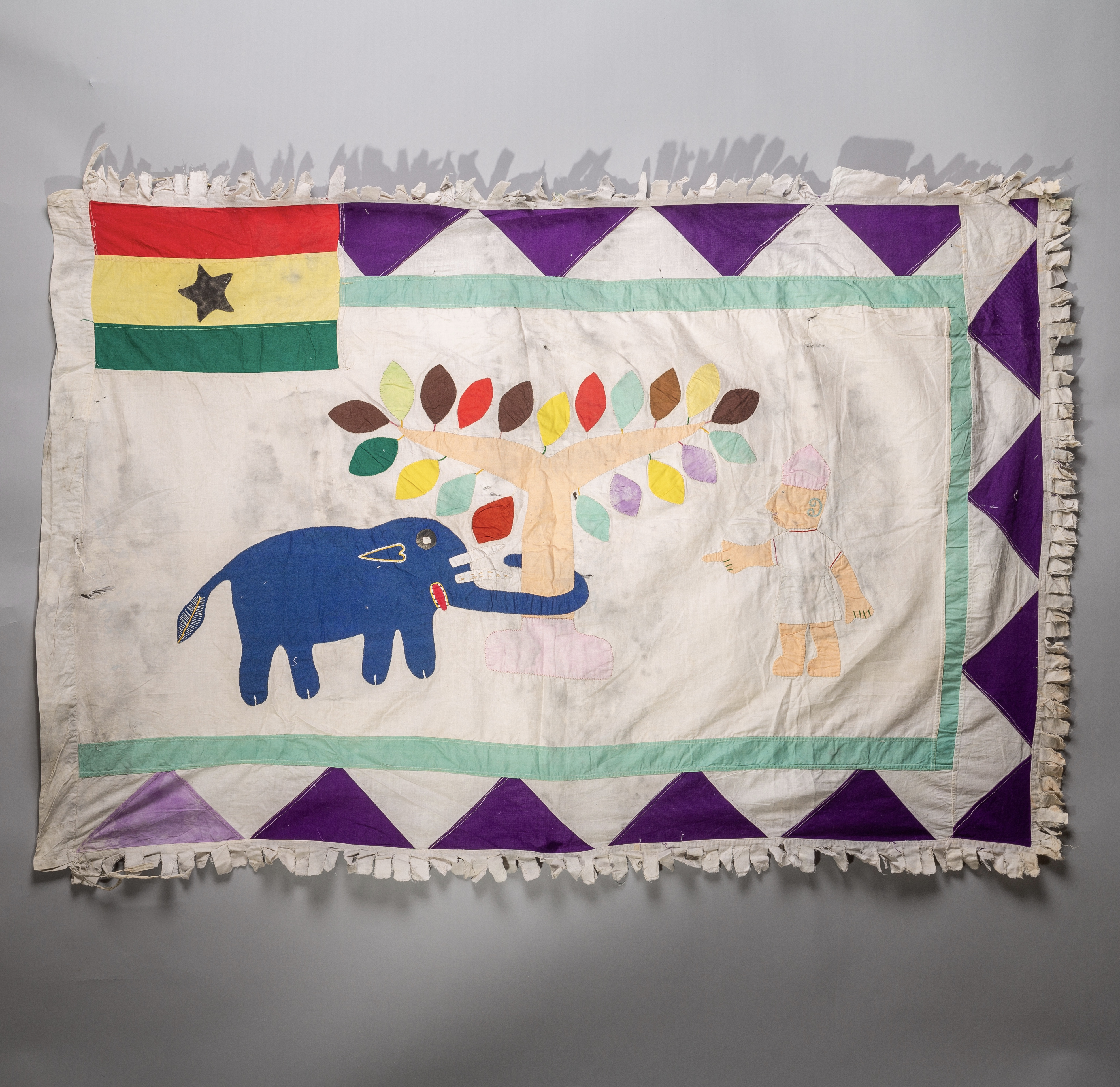 A ROMANTIC ASAFO FLAG FROM FANTE TRIBE GHANA ( No 1672 )
