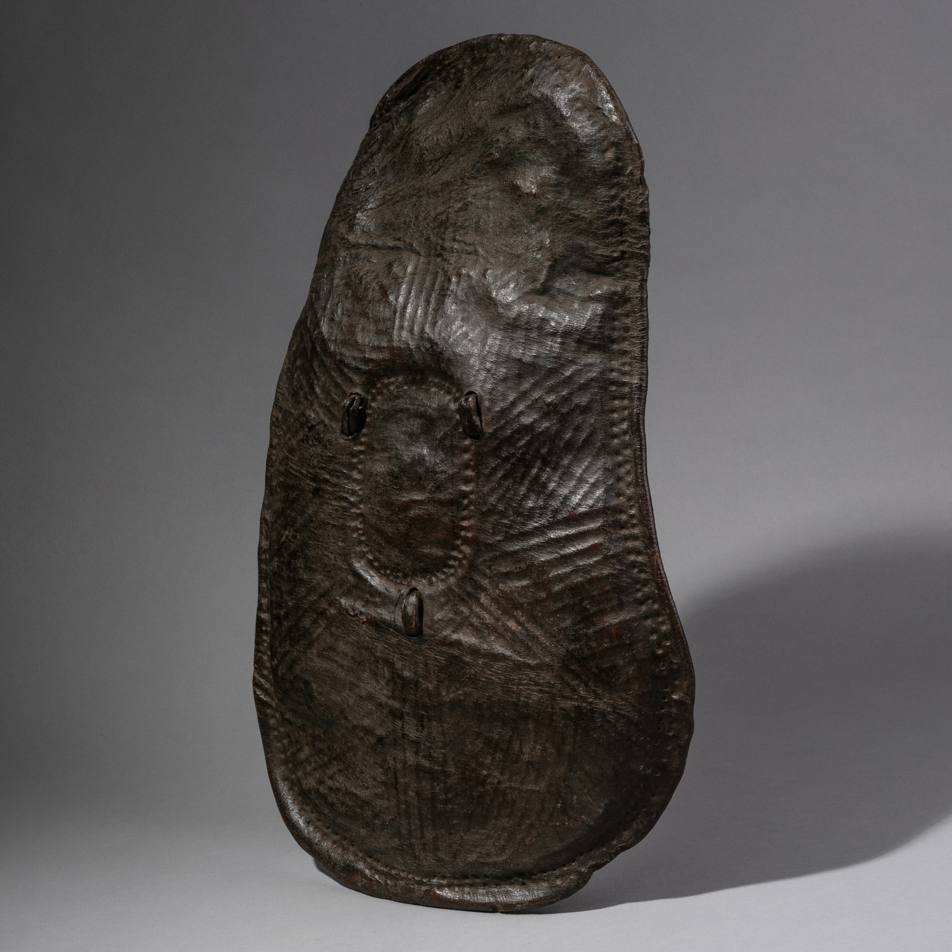A LEATHER SHIELD FROM THE BORANA TRIBE OF ETHIOPIA ( No 492 )