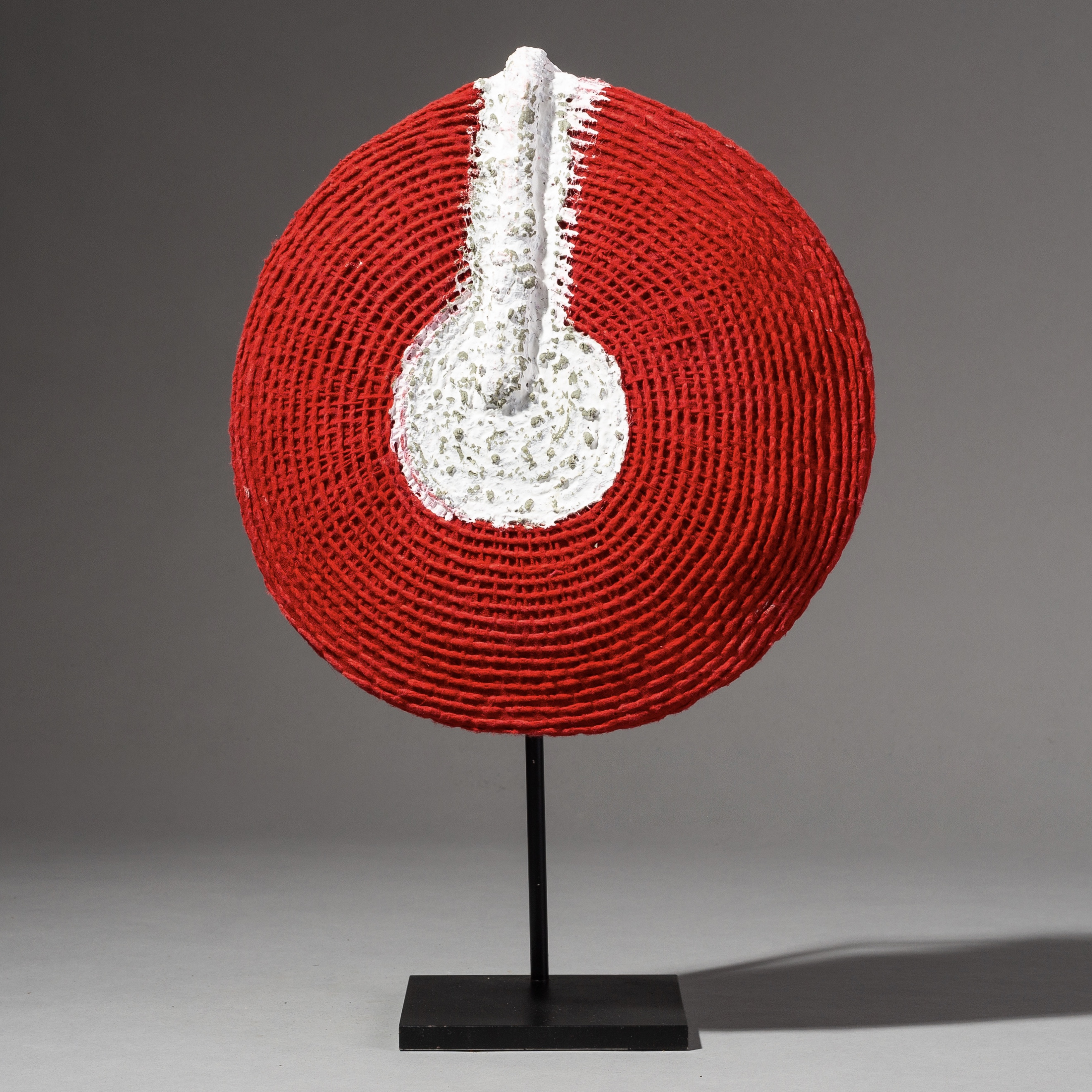 A MEDIUM SIZED ZULU HAT FROM SOUTH AFRICA ( No 1916 )