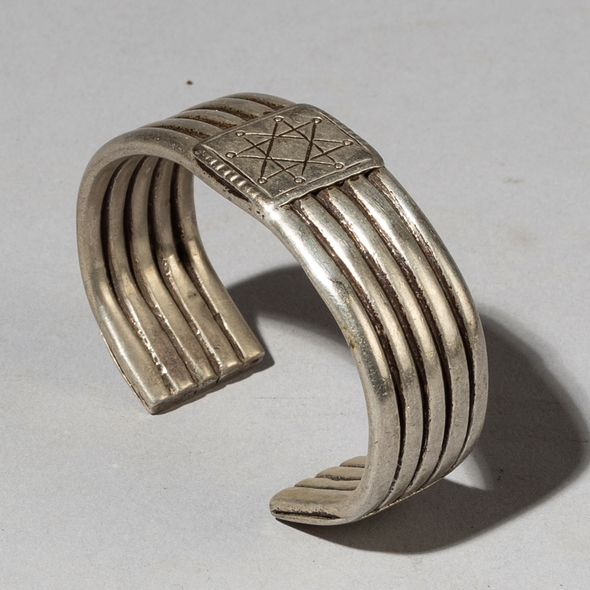 ( Sold timtim ) -A SUPERB HEAVY SILVER MANS CUFF FROM ETHIOPIA ( No 3146 )