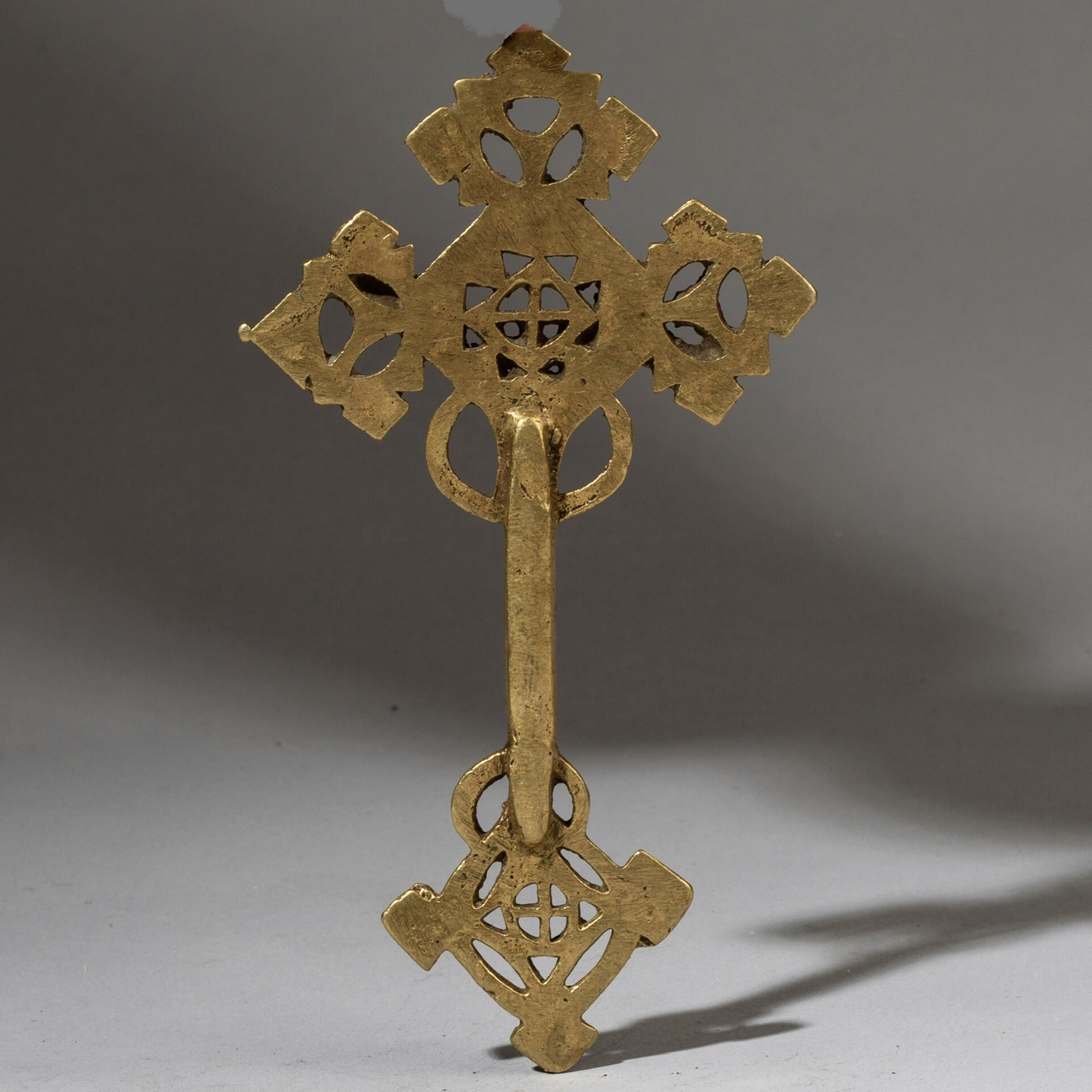 A BRASS PRIESTS BLESSING CROSS FROM ETHIOPIA ( No 3268 )