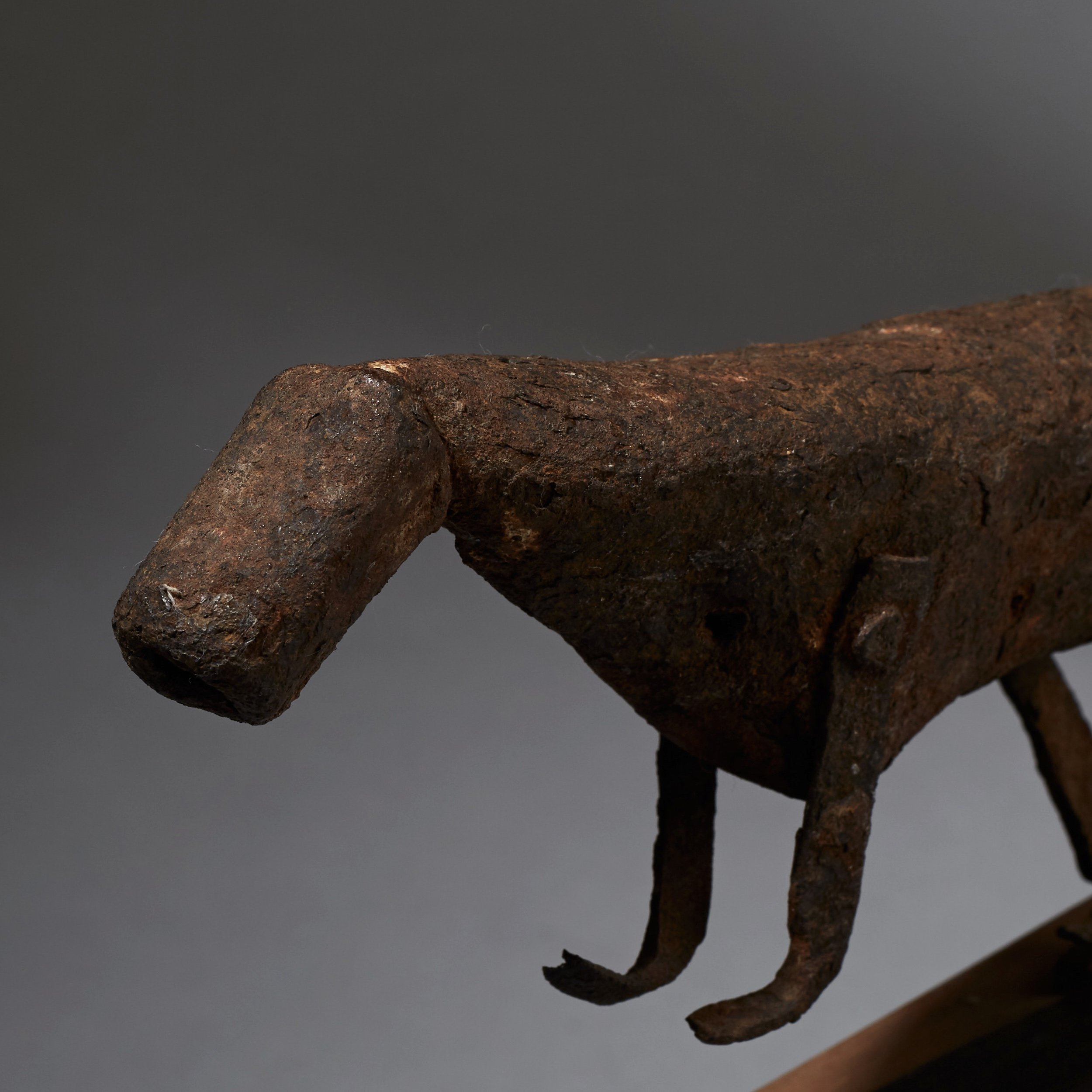AN IRON ANIMAL FROM THE FON TRIBE OF BENIN ( No 2438 )
