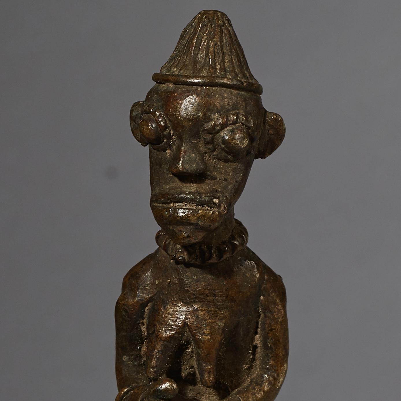 A LOVELY OGBONI FIGURATIVE BRONZE, YORUBA TRIBE NIGERIA ( No 2555 )
