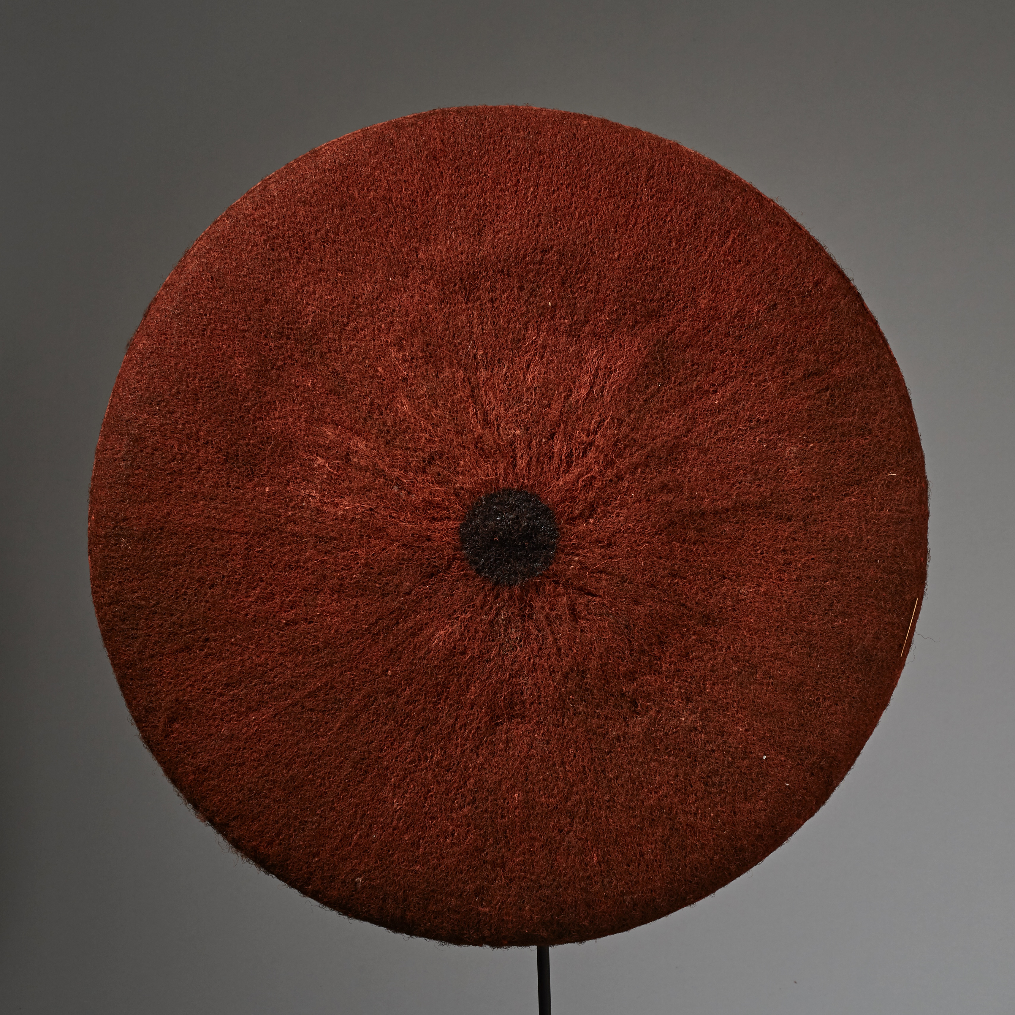 A VIVID ISICOLO WOMENS HAT, ZULU TRIBE SOUTH AFRICA ( No 2334 )