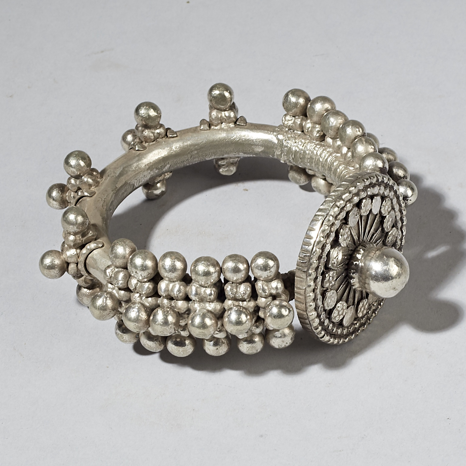 SD A HEAVY SILVER ANKLET FROM ETHIOPIA ( No 3053 )