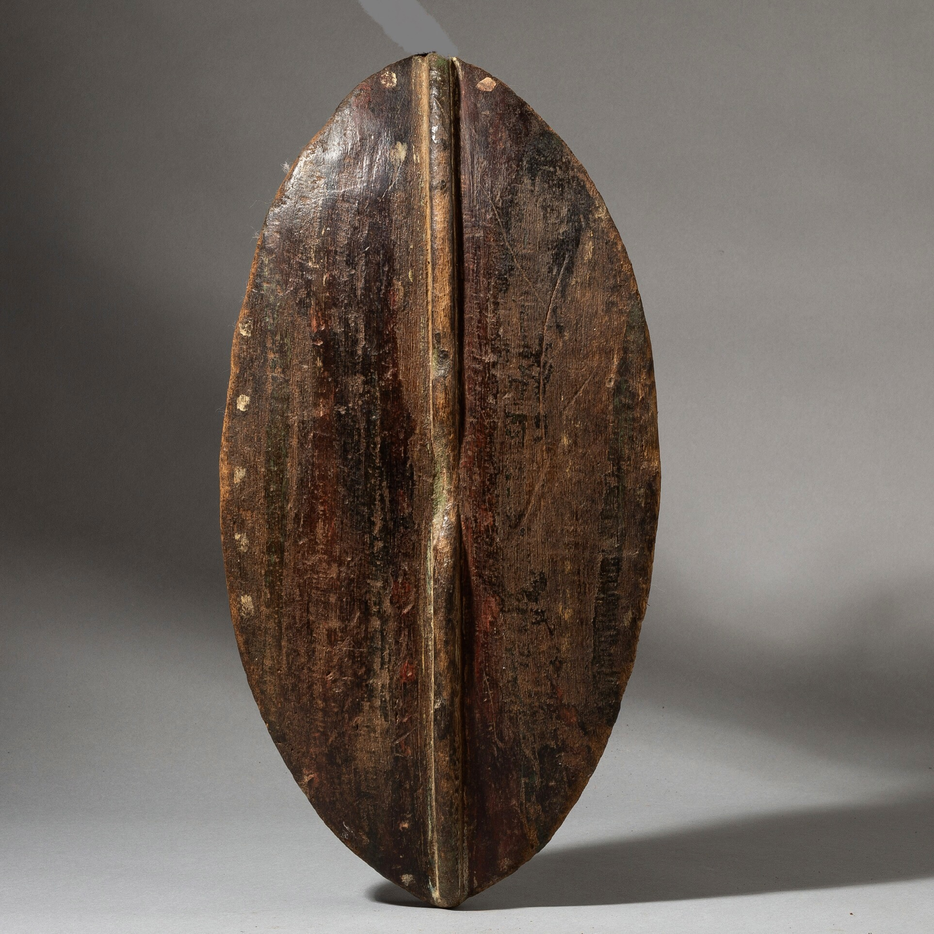 A LEAF SHAPED WOOD SHIELD FROM KENYA ( No 3500 )