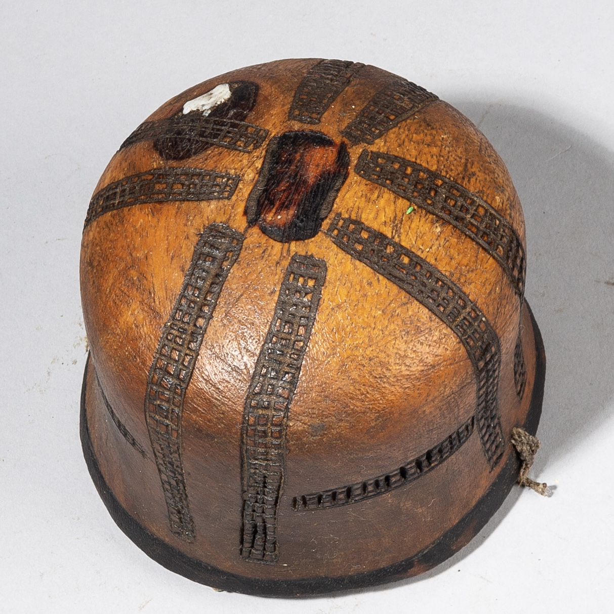 AN AUTHENTIC WOODEN VESSEL, TURKANA TRIBE KENYA ( No 3649)