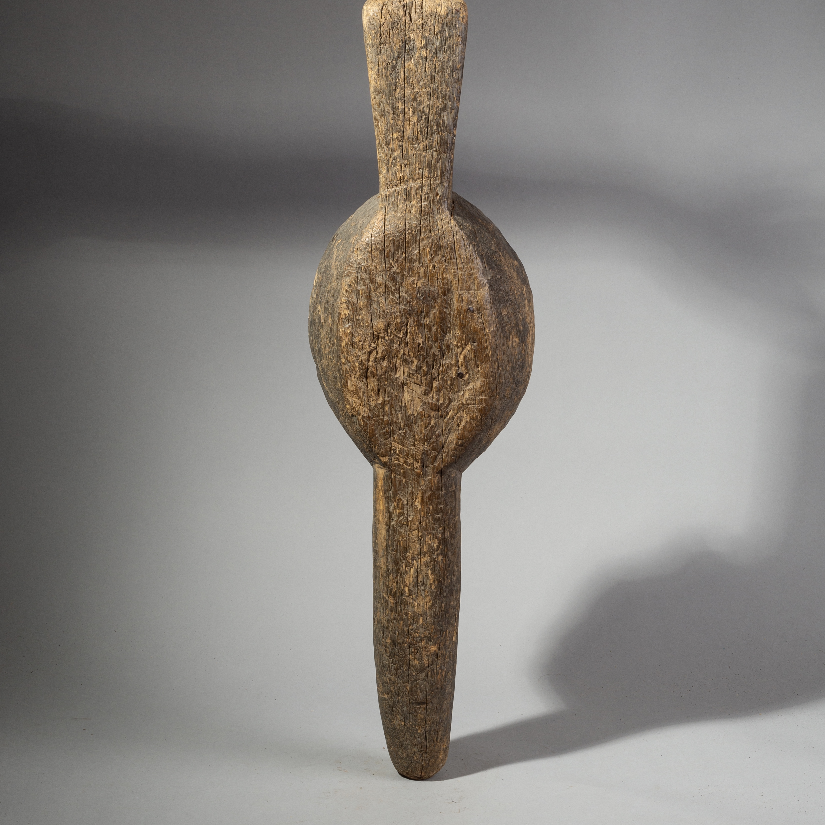 A SIMPLE + LARGE ABSTRACT HEADDRESS FROM BURKINA FASO ( No 1722 )