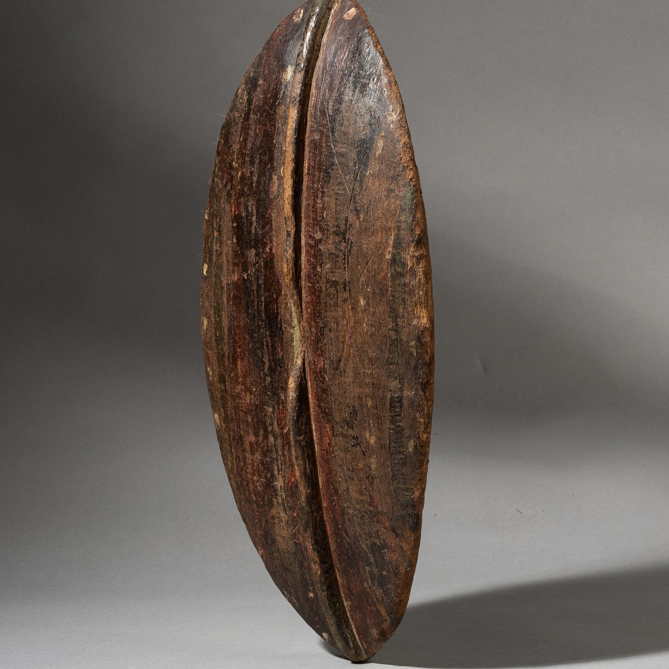 A LEAF SHAPED WOOD SHIELD FROM KENYA ( No 3500 )