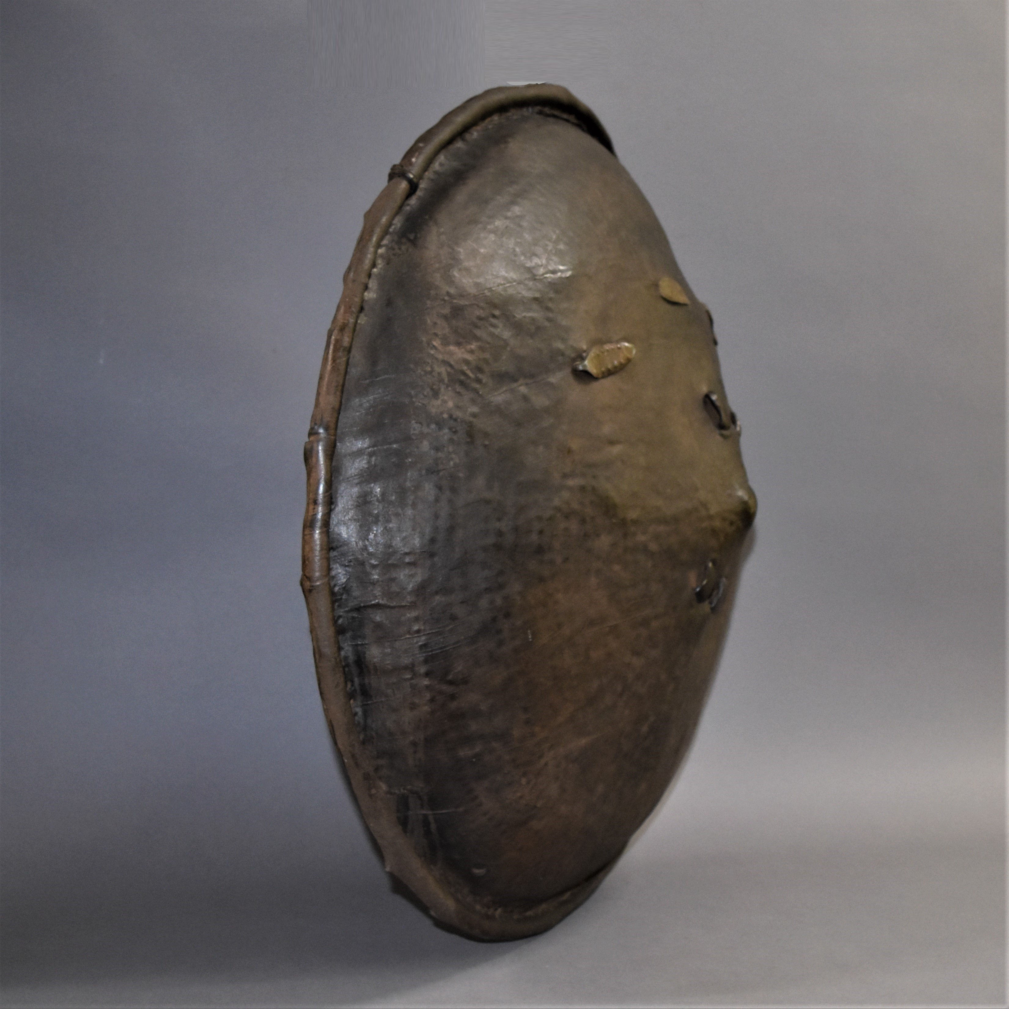 AN ETHIOPIAN SHIELD WITH BRASS DECORATION ( No 491 )