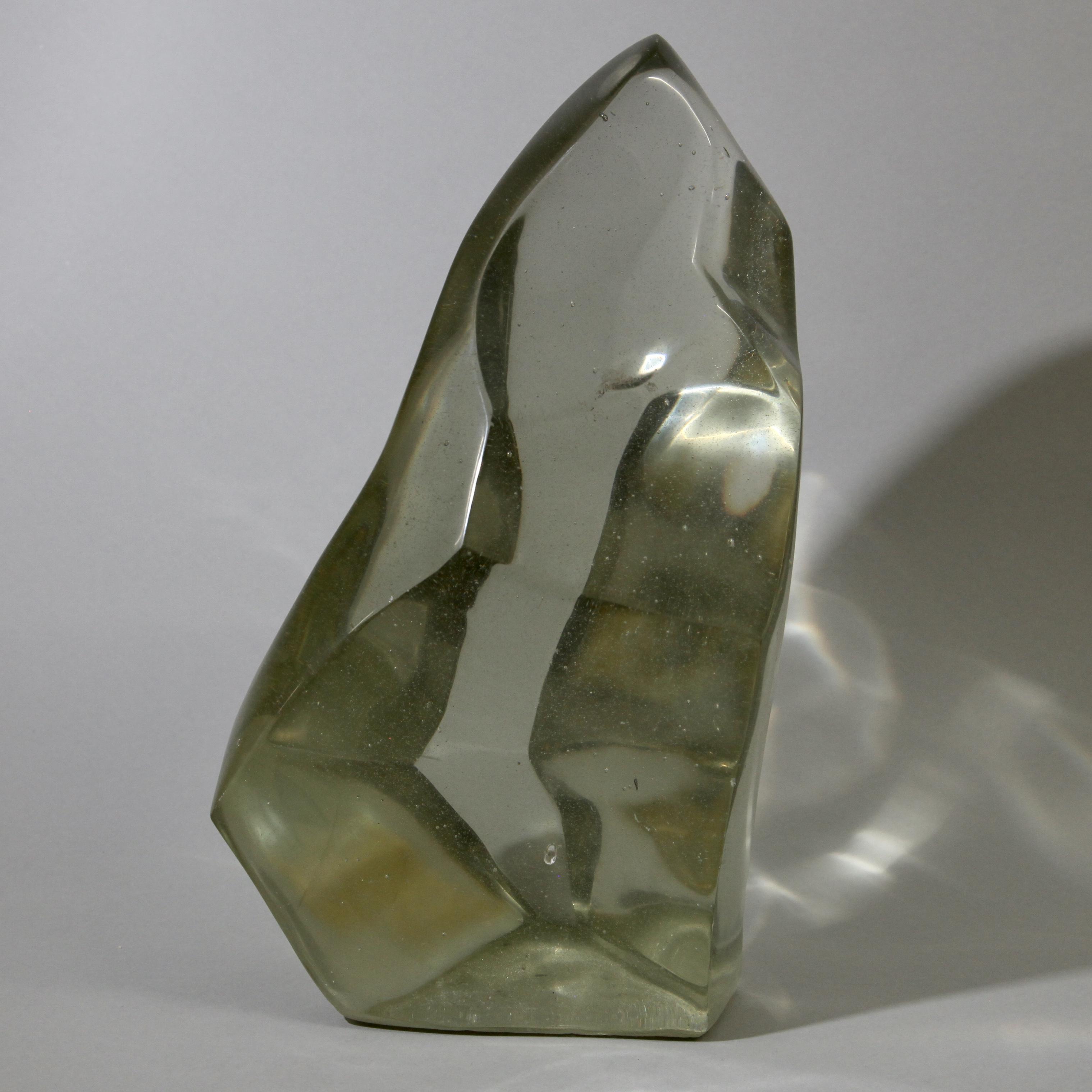 A CHAMPAGNE COLOURED GLASS SCULPTURE ( No 1076 )