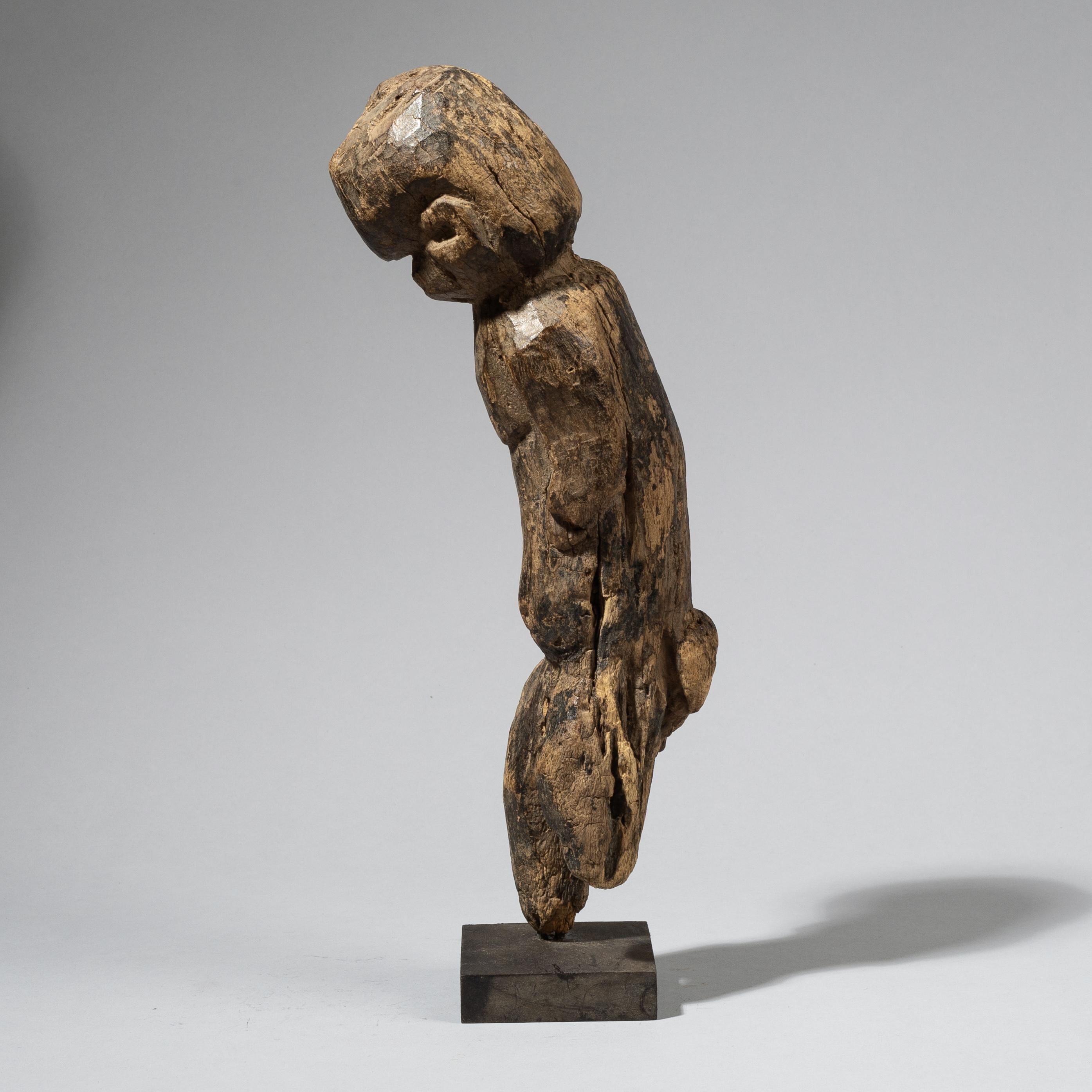 AN ERODED LOBI FRAGMENT FROM BURKINA FASO W. AFRICA ( No 4425 )