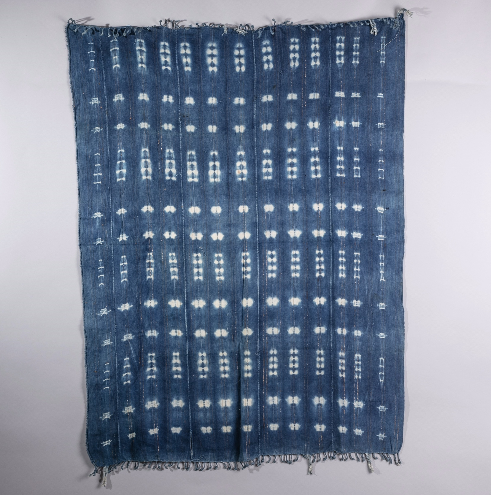 A TRANQUIL  MOSSI CLOTH FROM BURKINA FASO ( No 1393 )