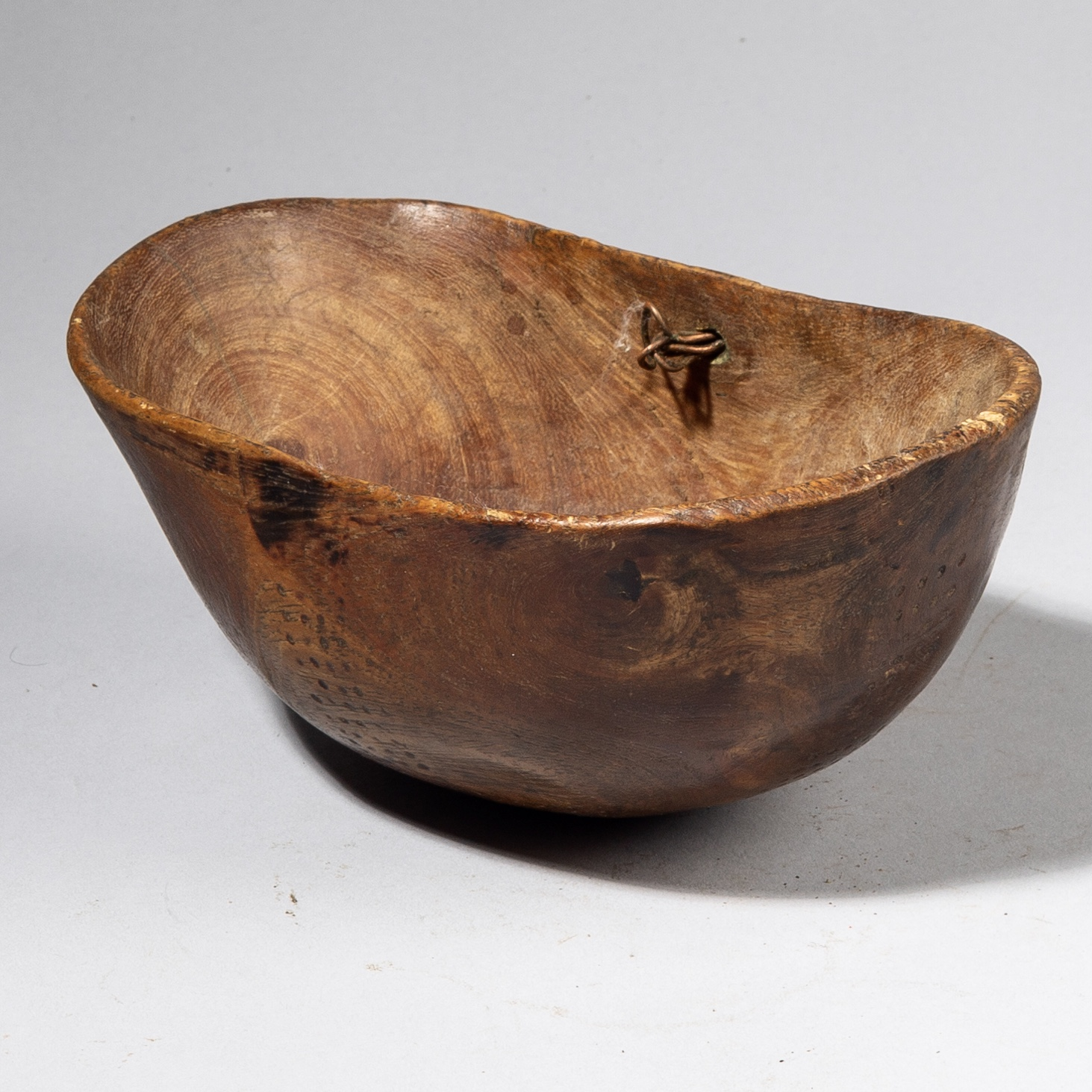 A GENEROUS TURKANA BOWL FROM KENYA ( No 3873 )