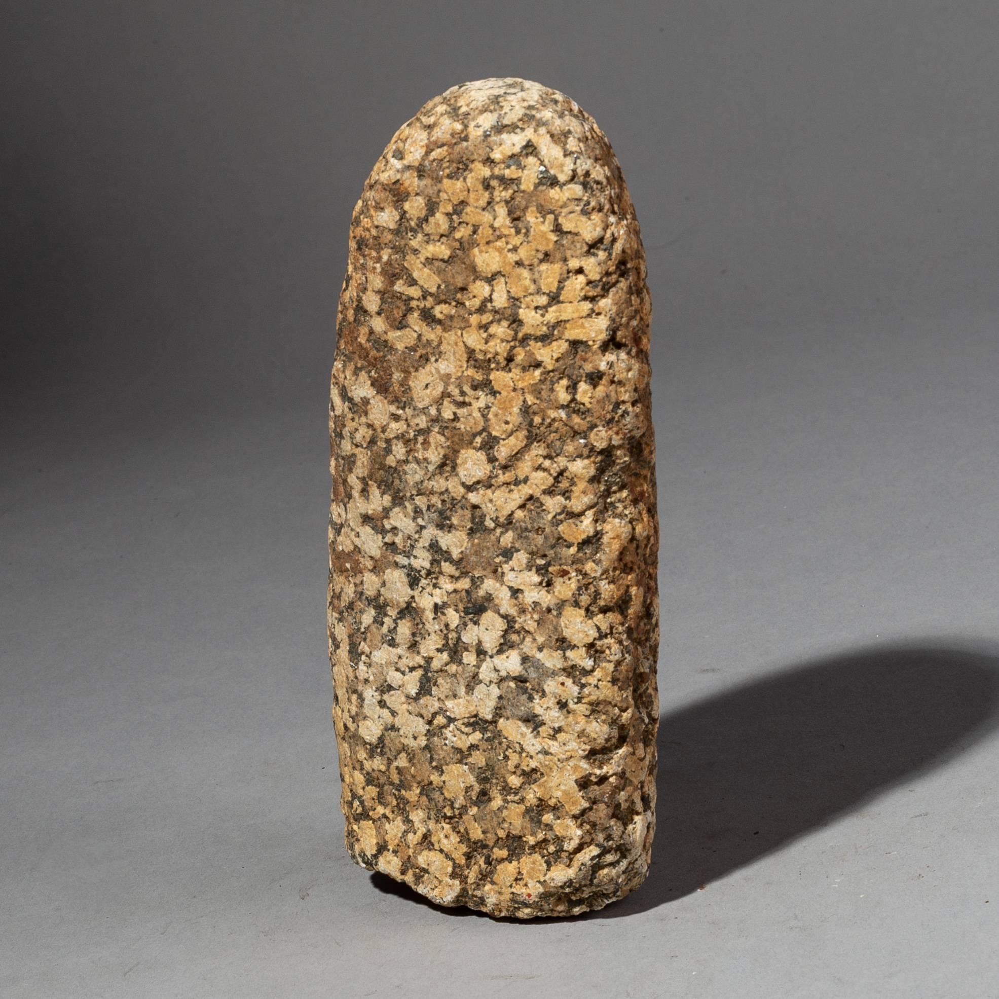 A LARGE PRETTY STONE GRINDER FROM THE SAHARA ( No 2175 )