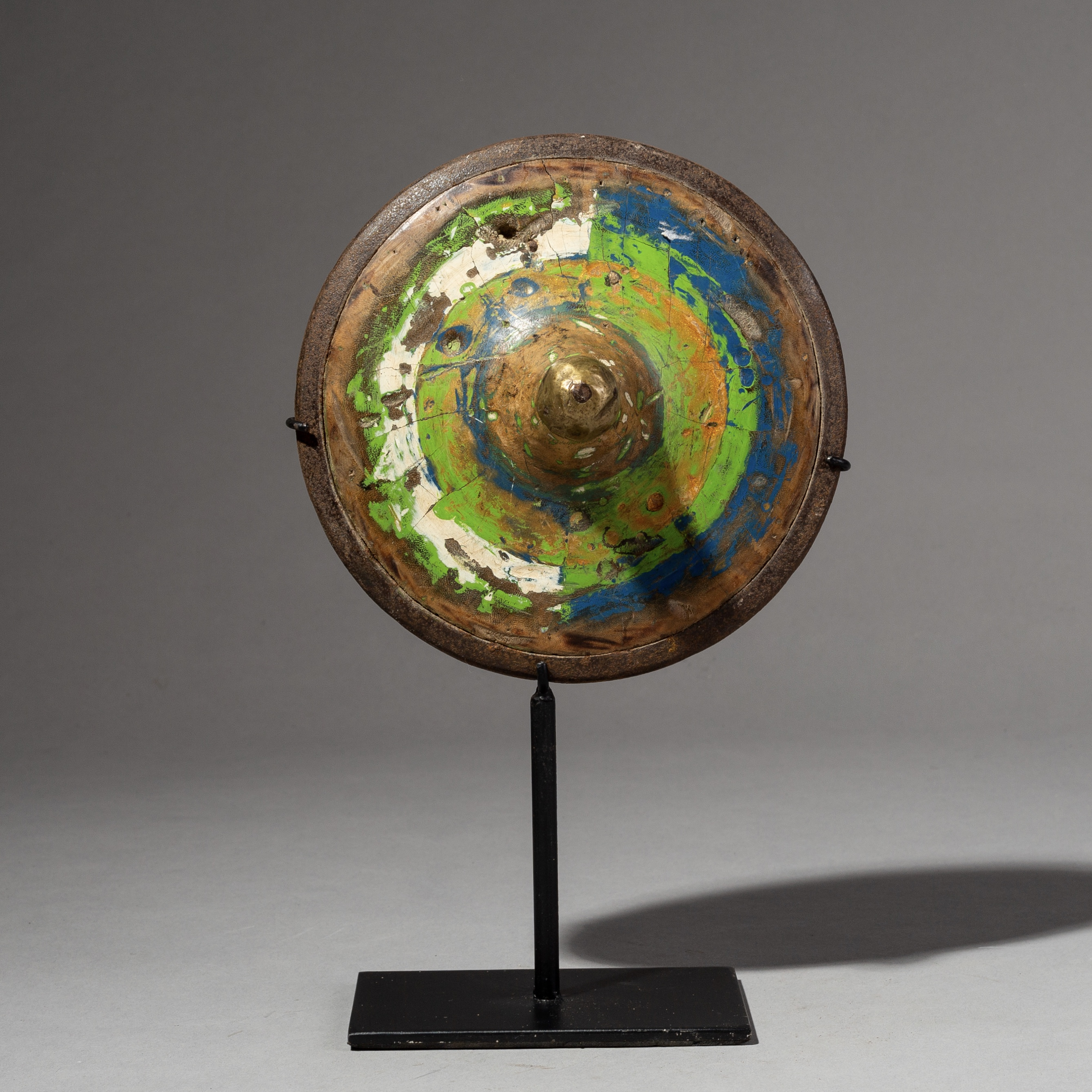 sold - AN ARTISTIC SPINNING TOP FROM INDONESIA( No 2108 )