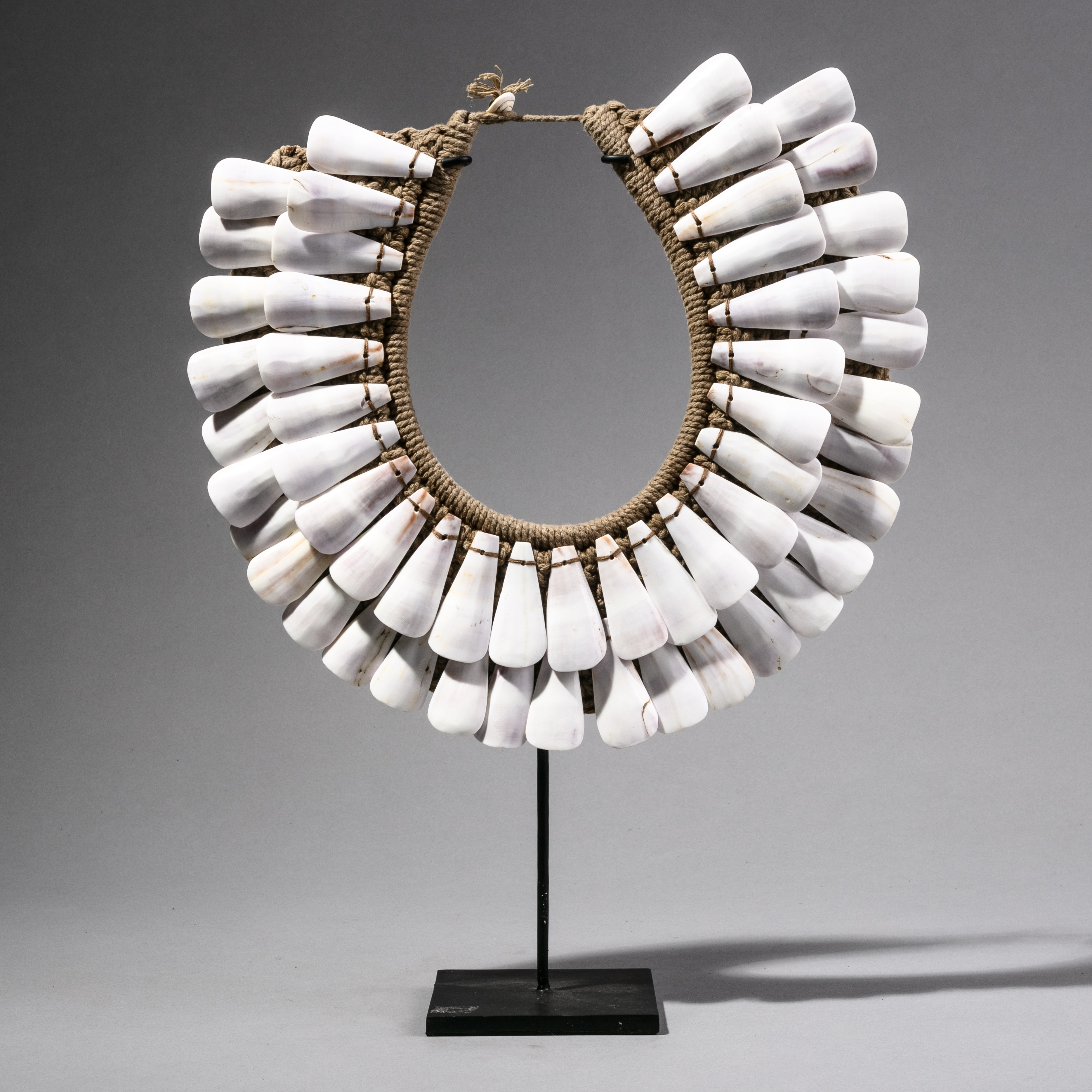 A PURE SHELL NECKLACE. ( No 88 )