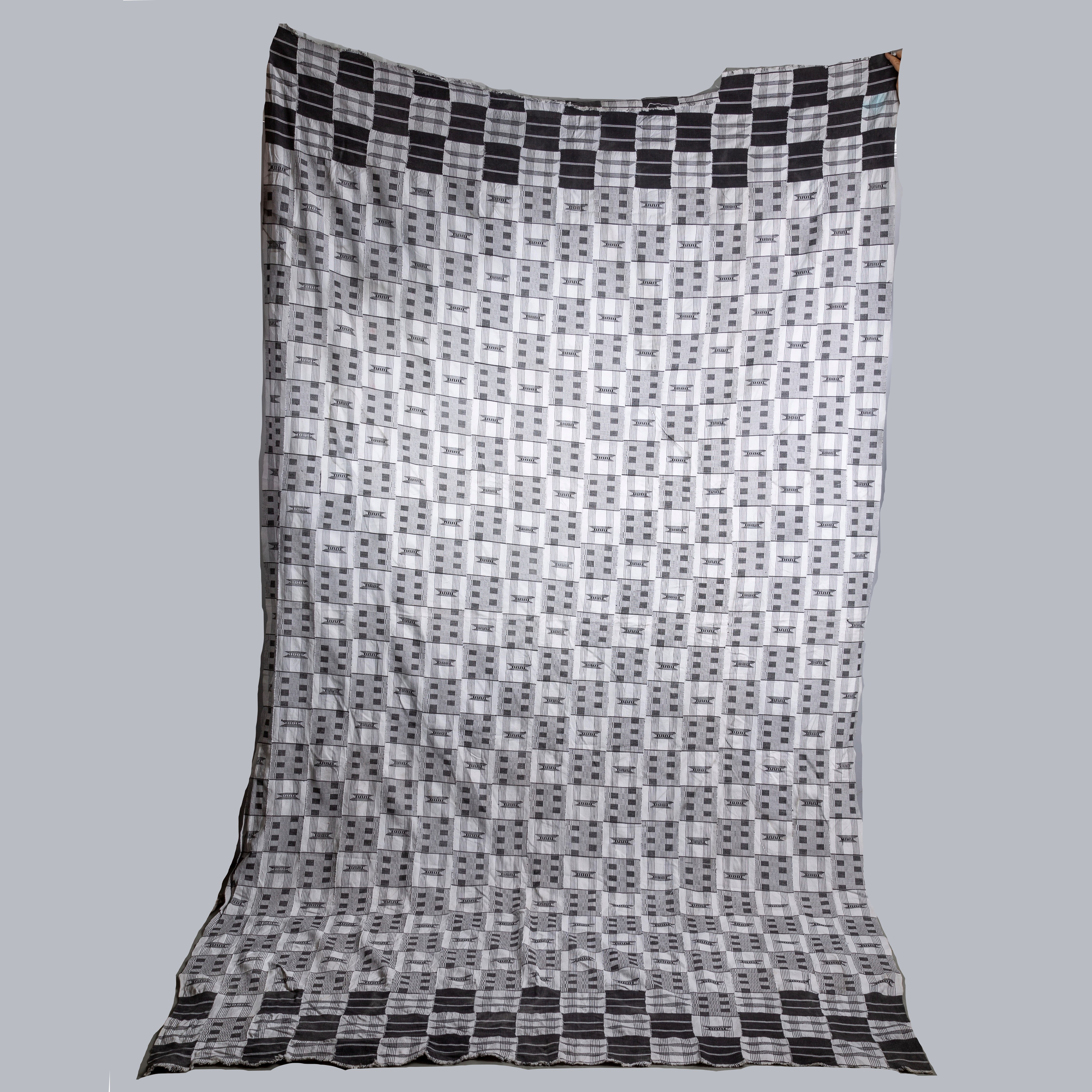A MONOCHROMATIC LARGE MENS  EWE CLOTH FROM  GHANA ( No 1911)