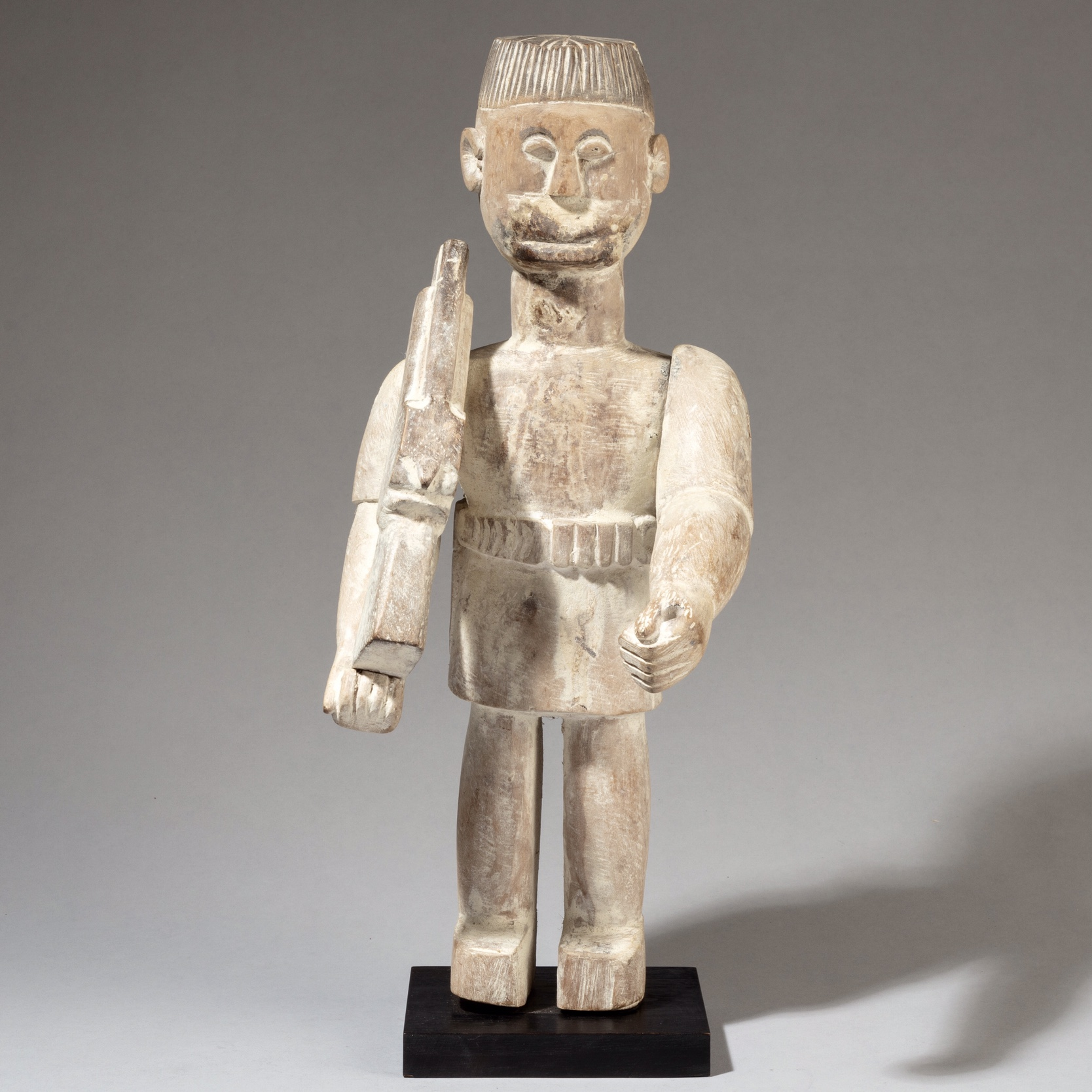 A STYLISH EWE ALTAR FIGURE WEARING A HAT, GHANA ( No 3352 )