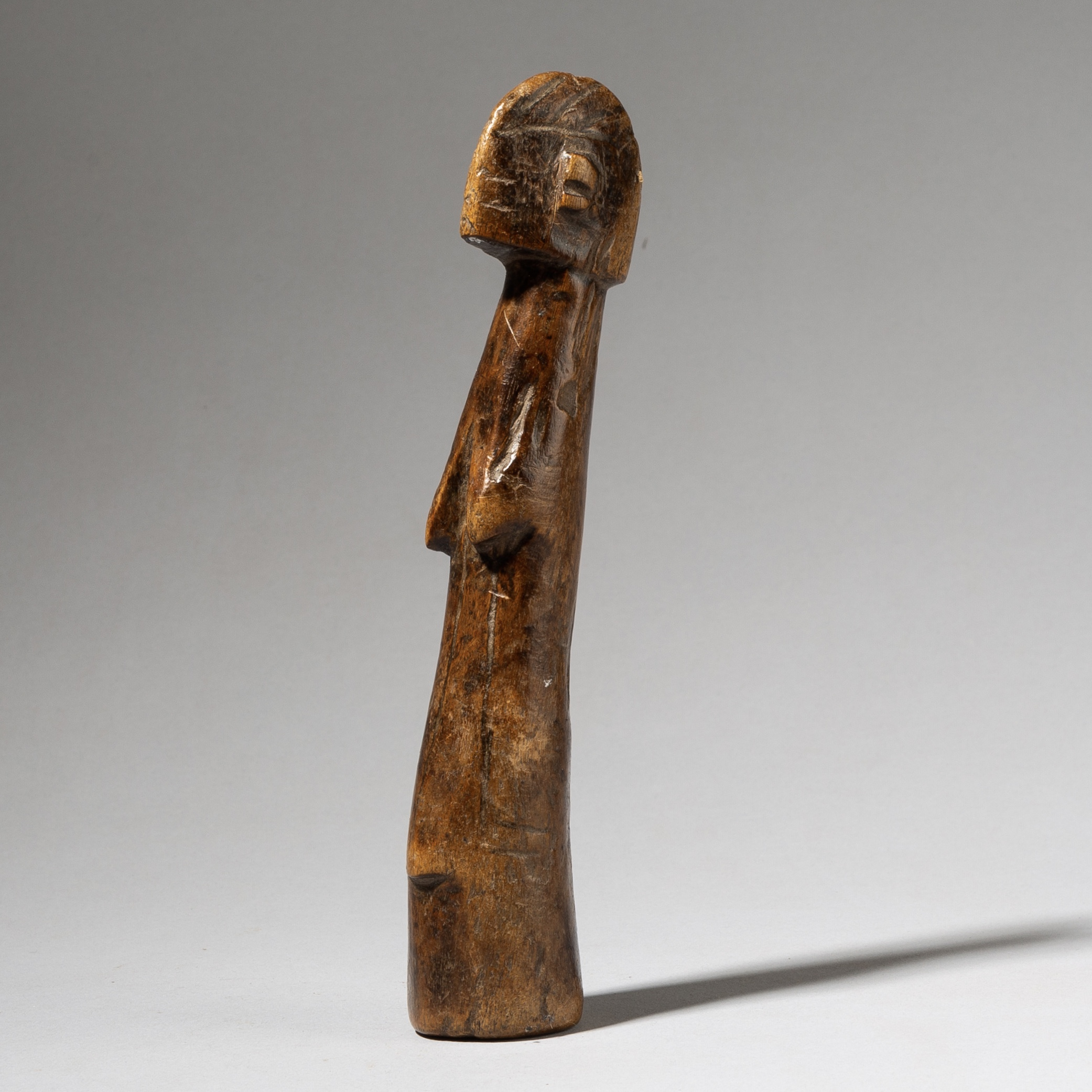 A SMOOTHLY PATINATED MOSSI DOLL FROM BURKINA FASO ( No 4159 )