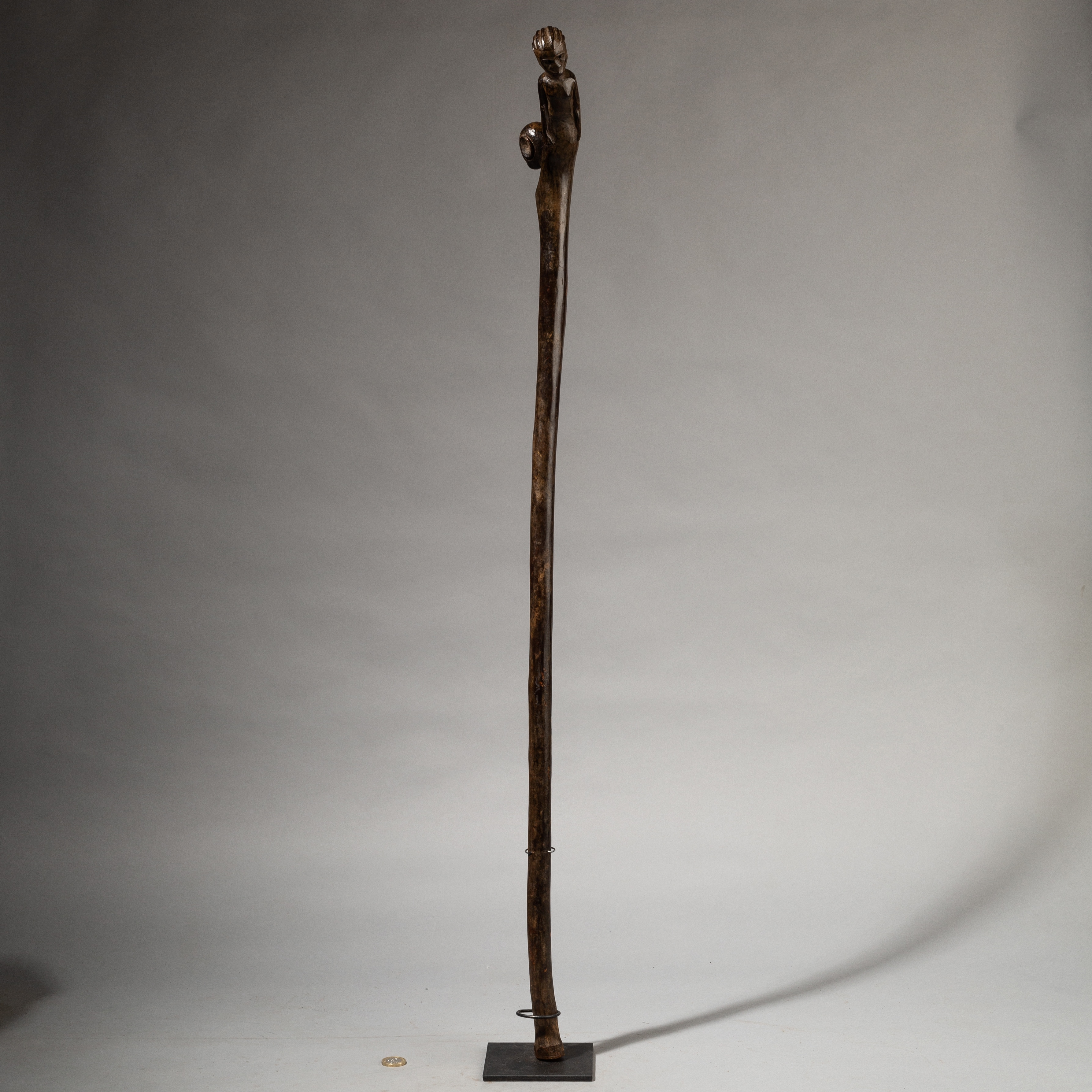 A SLENDER ARTISTIC NYAMWEZI TRIBE WALKING STICK FROM TANZANIA ( No 3533 )