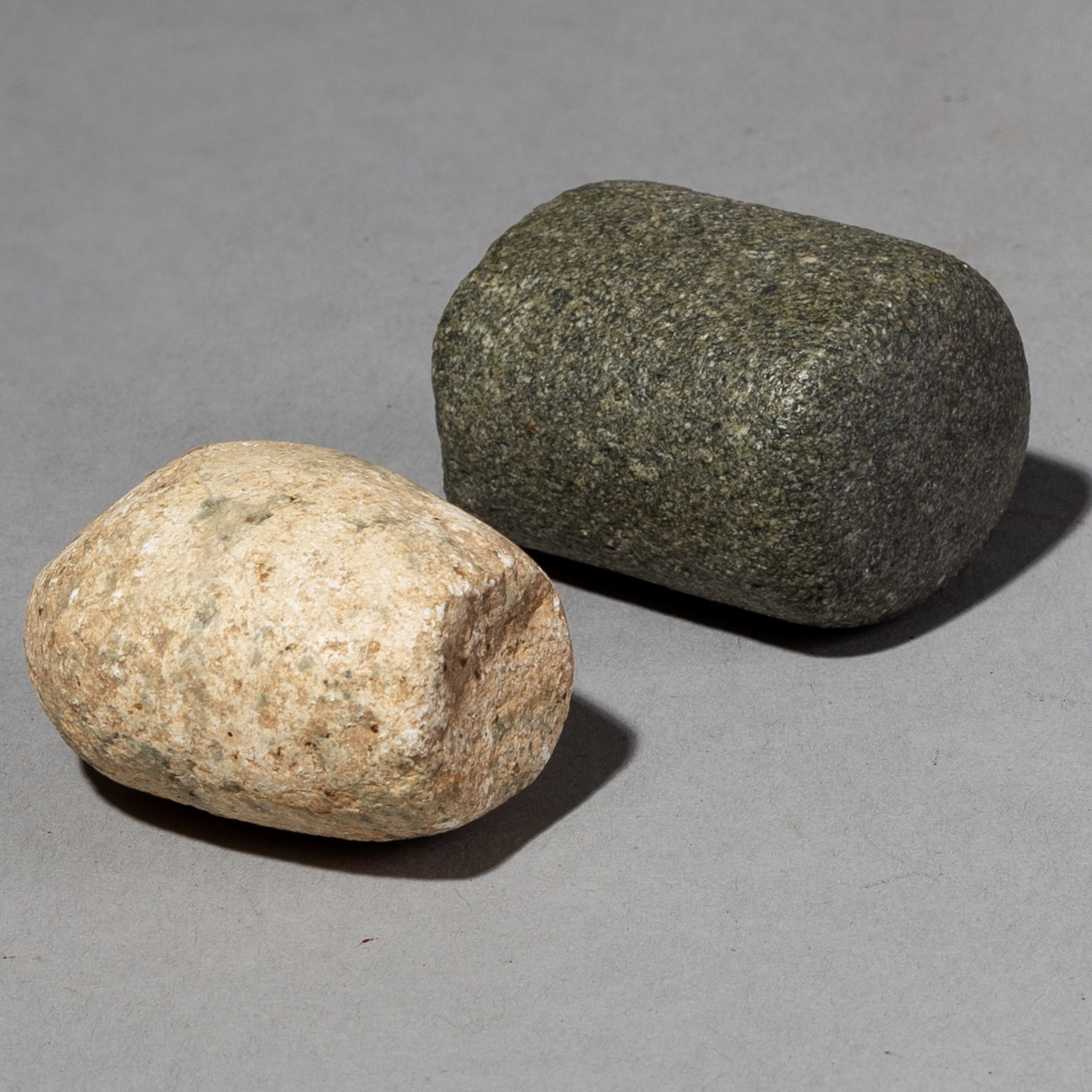 2 ANCIENT CYLINDRICAL GRINDING STONES FROM THE SAHARA ( No 2153 )