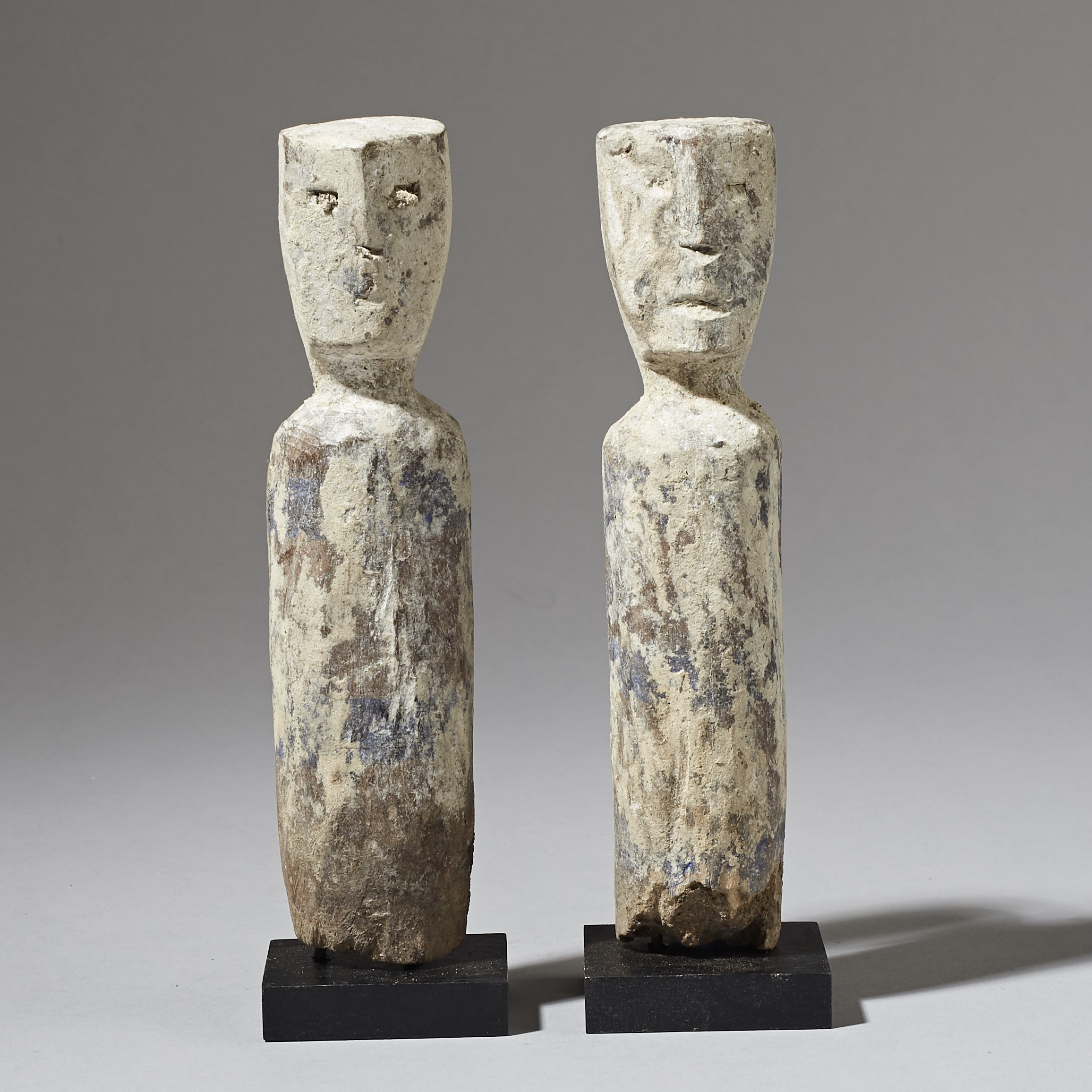 A PAIR OF LIKEABLE ADAN ANCESTOR FIGURES, GHANA ( No 2854 )