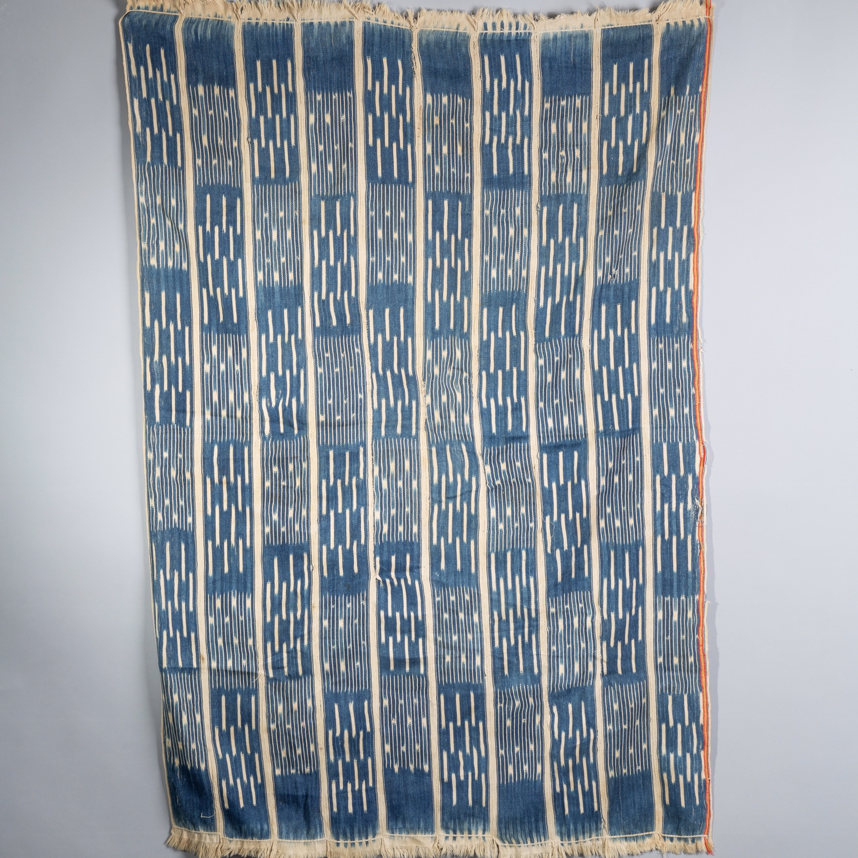 ( RESERVED DO )-Sold  -A LOVELY BAULE WOMANS CLOTH FROM THE IVORY COAST ( No 1851 )