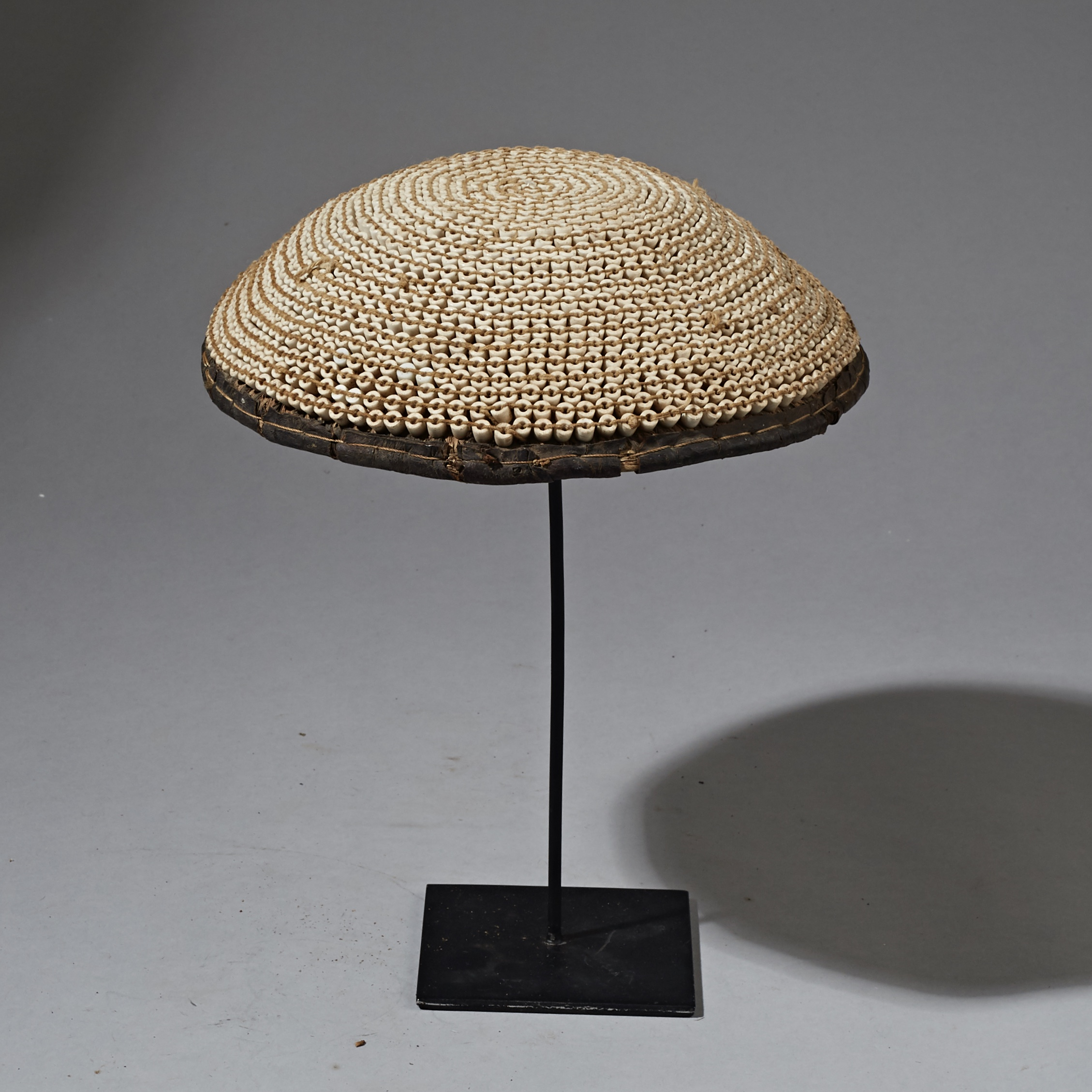 A WOVEN FIBRE + BEAD BEER POT LID FROM NIGERIA ( No 2322 )