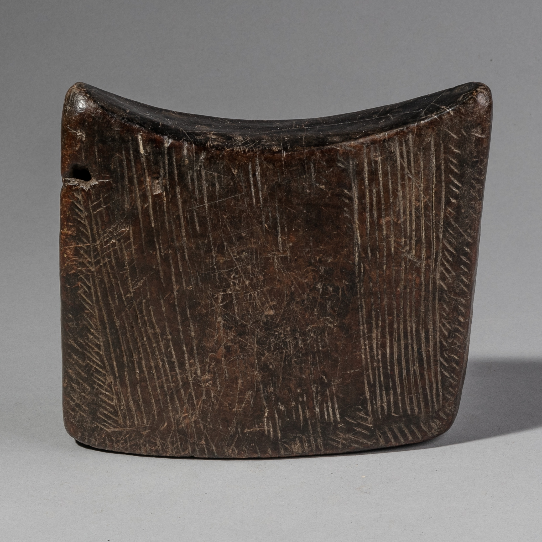 AN ENGRAVED, TALISMANIC HEADREST FROM GURAGE TRIBE ETHIOPIA ( No 1112 )