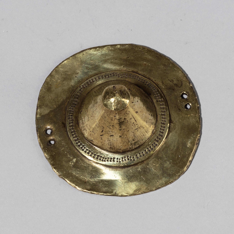 A 3-D 19THC BRASS DISC BUTTON, OROMO REGION OF ETHIOPIA ( No 4308)