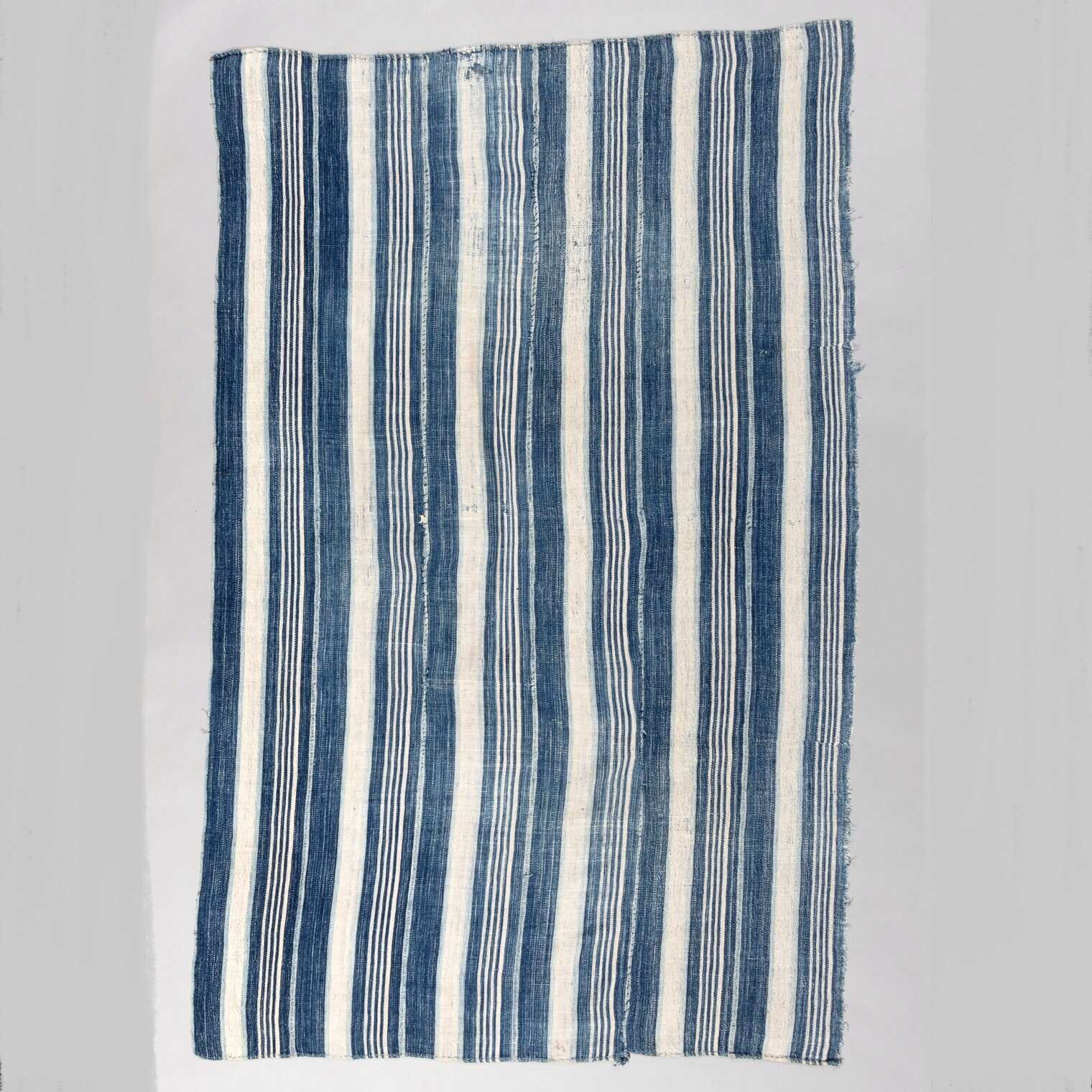 A BEAUTIFULLY PATINATED CLOTH FROM NORTHERN GHANA ( No 3377 )
