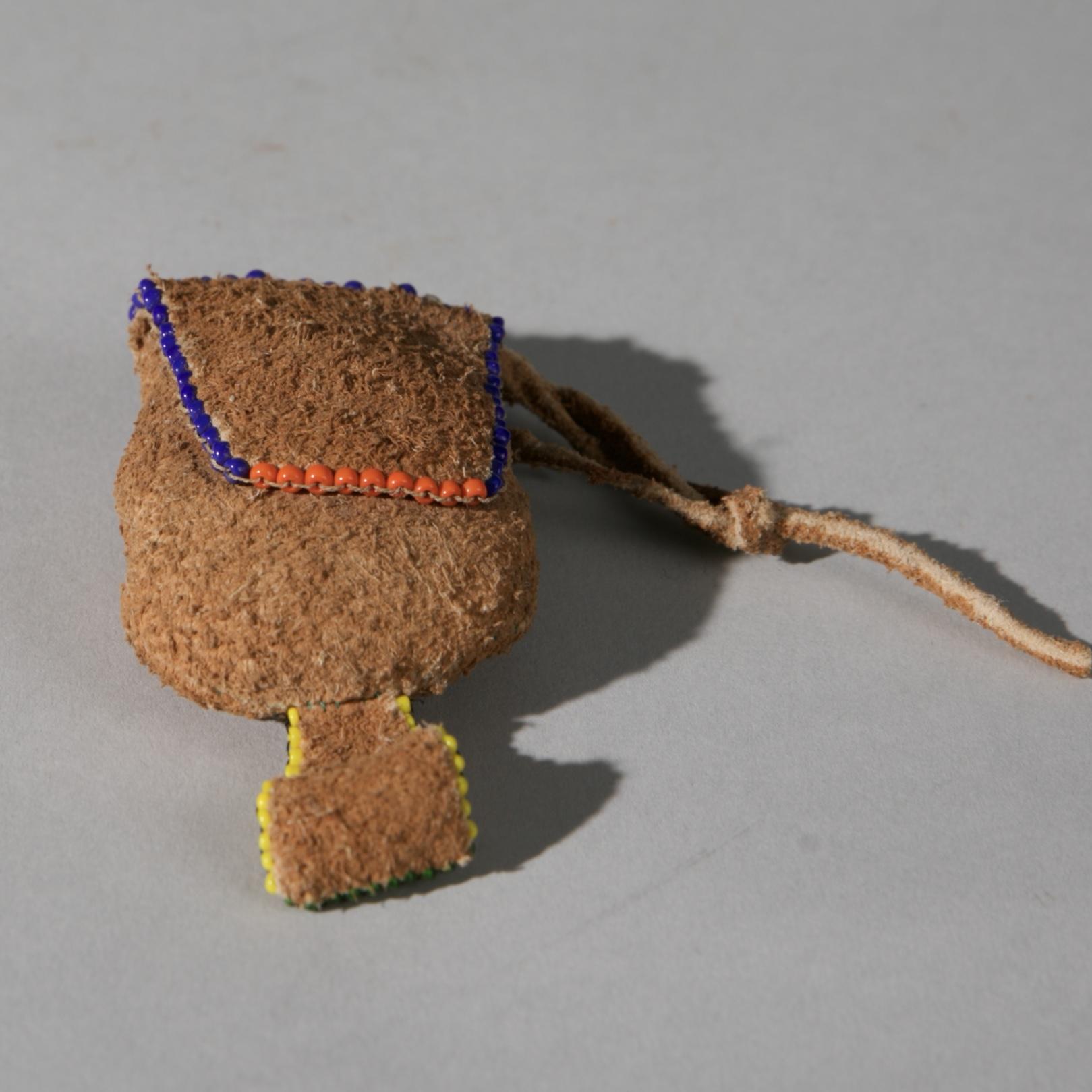 SAN 'BUSHMEN' BEADED LEATHER PERFUME HERB POUCH, NAMIBIA, SW AFRICA  No 3931)
