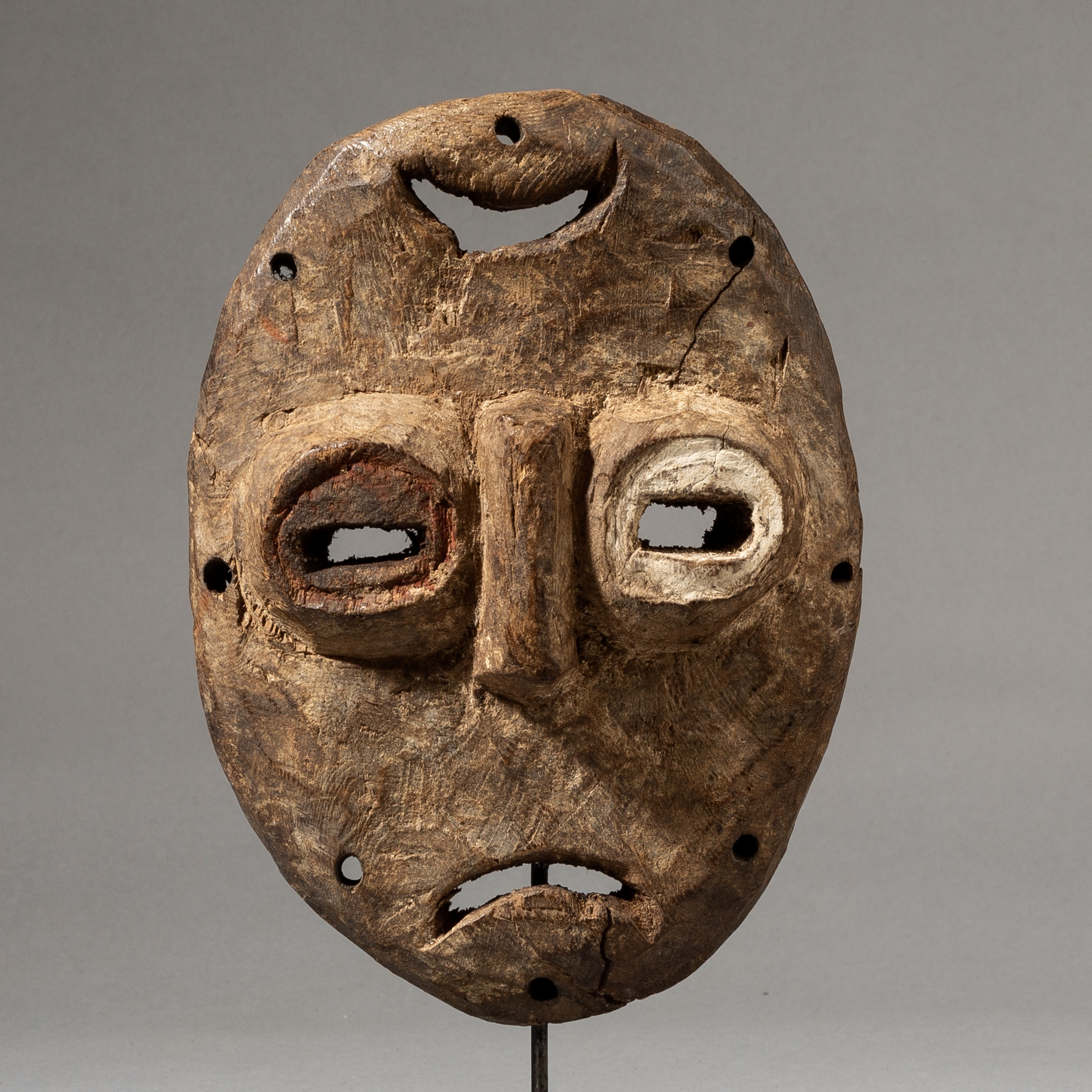 A  MIRROR IMAGE LEGA TRIBE MASK FROM THE CONGO ( No 3576 )