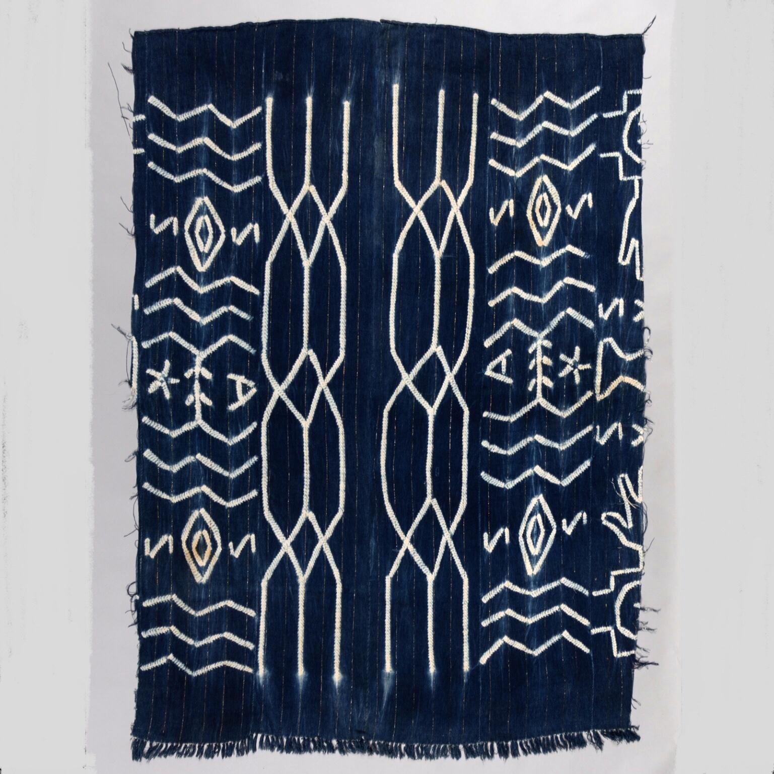 A MAGICAL MOSSI CLOTH FROM BURKINA FASO ( No 3364 )