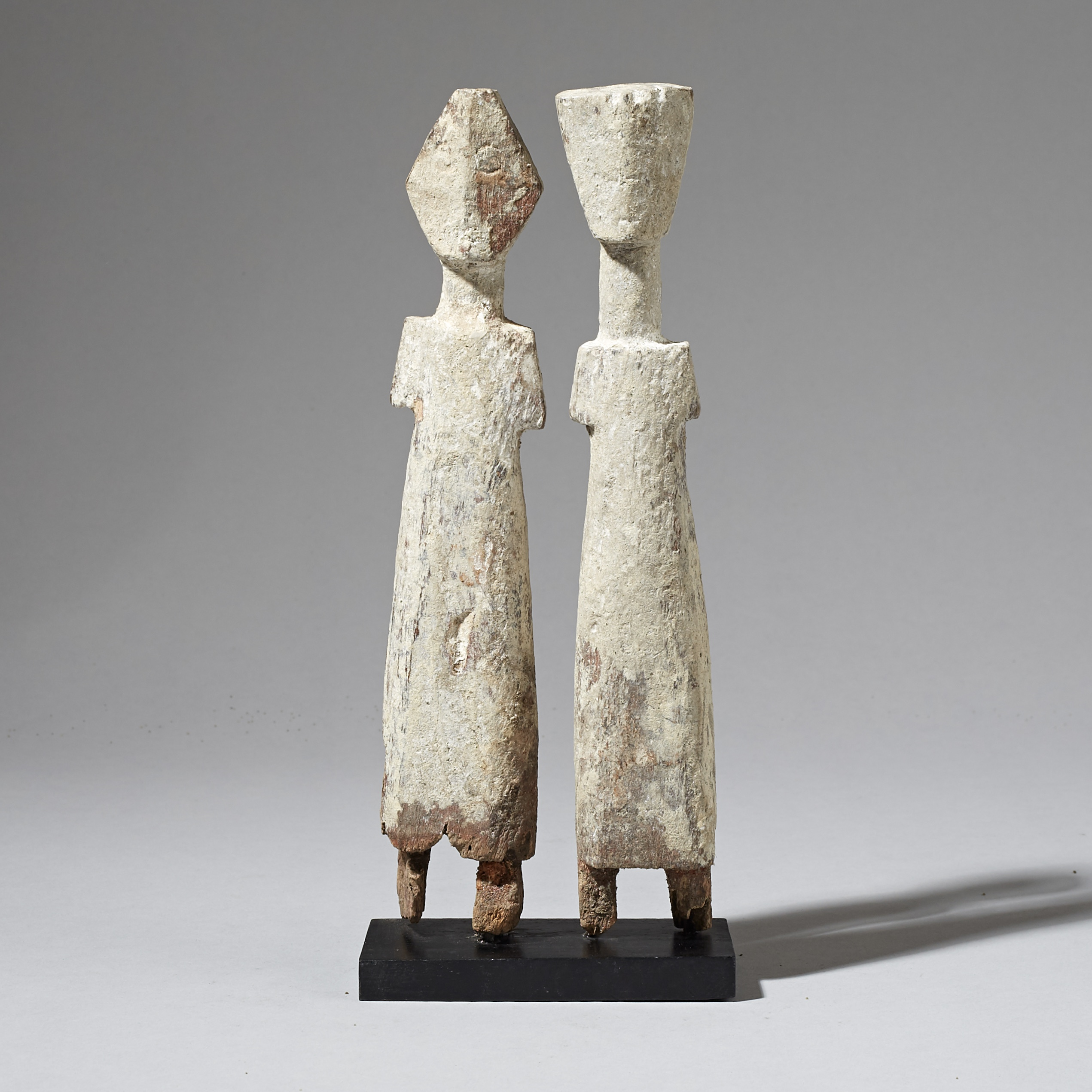A PAIR OF GRAPHIC ADAN ANCESTOR FIGURES FROM GHANA ( No 2999 )