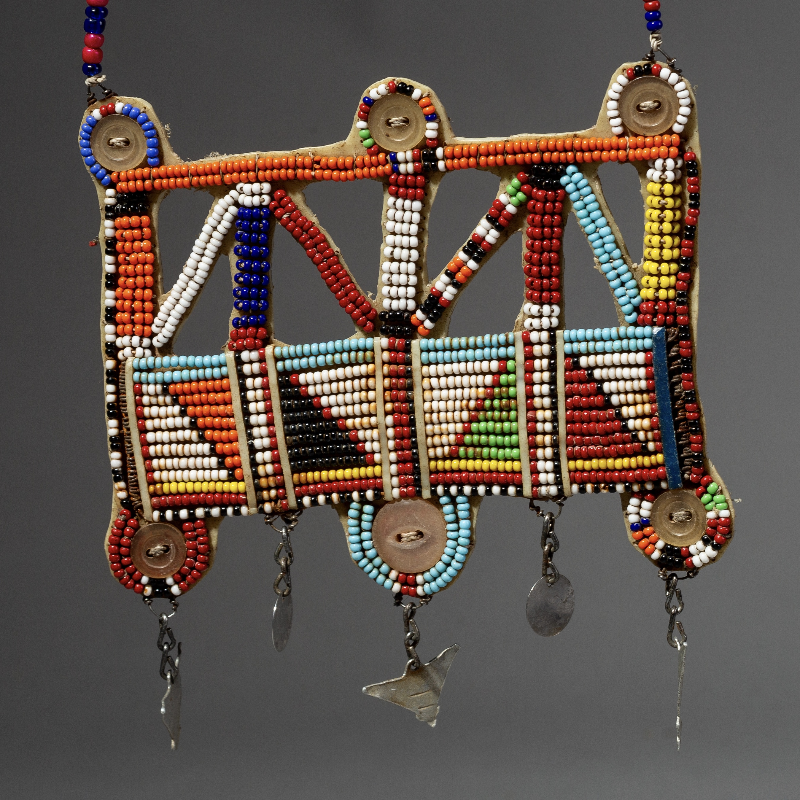 A GRAPHIC BEADED NECKLACE FROM MAASAI TRIBE OF KENYA ( No 2073 )