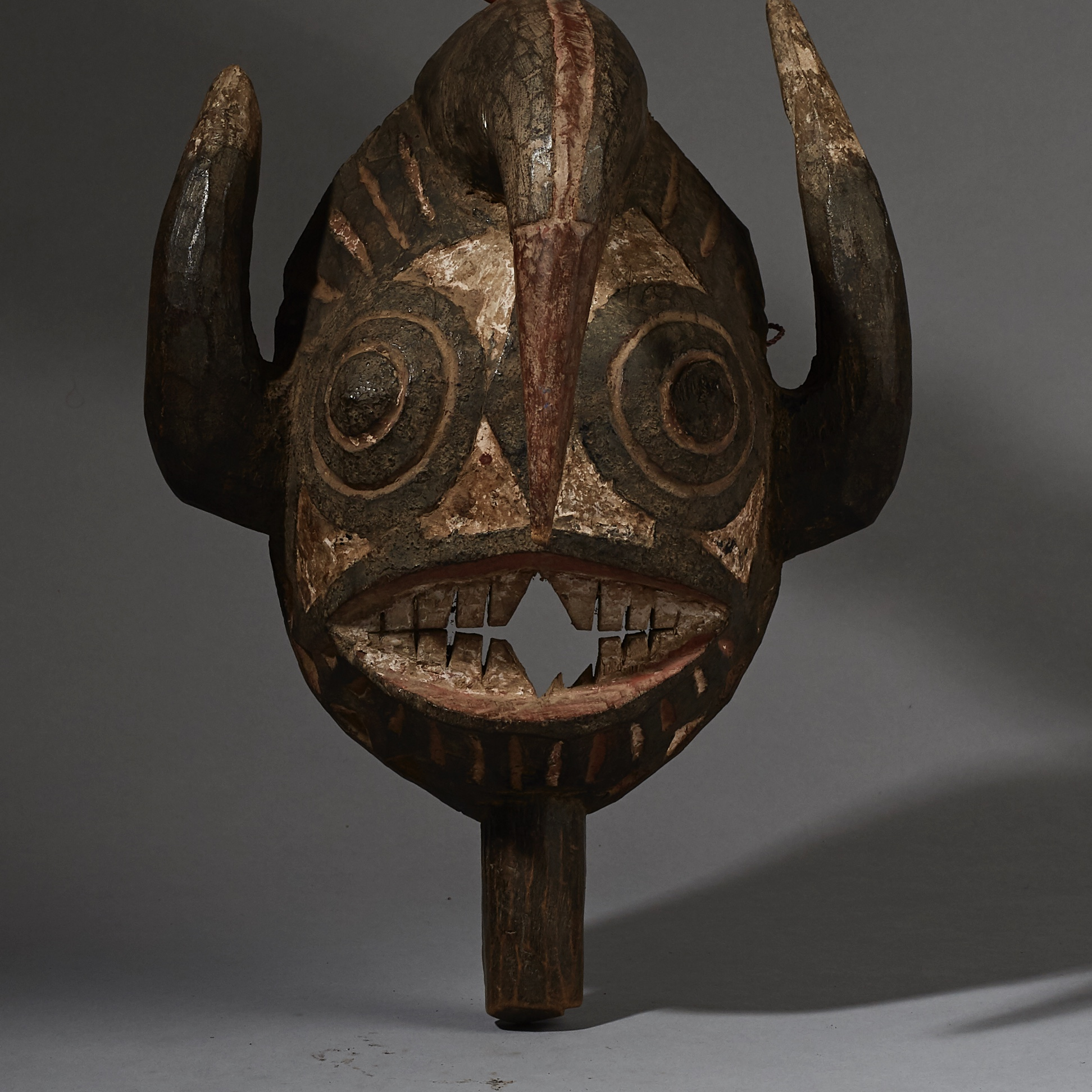 A 3 HORNED ANIMAL MASK FROM THE MOSSI TRIBE OF BURKINA FASO( No 2618 )