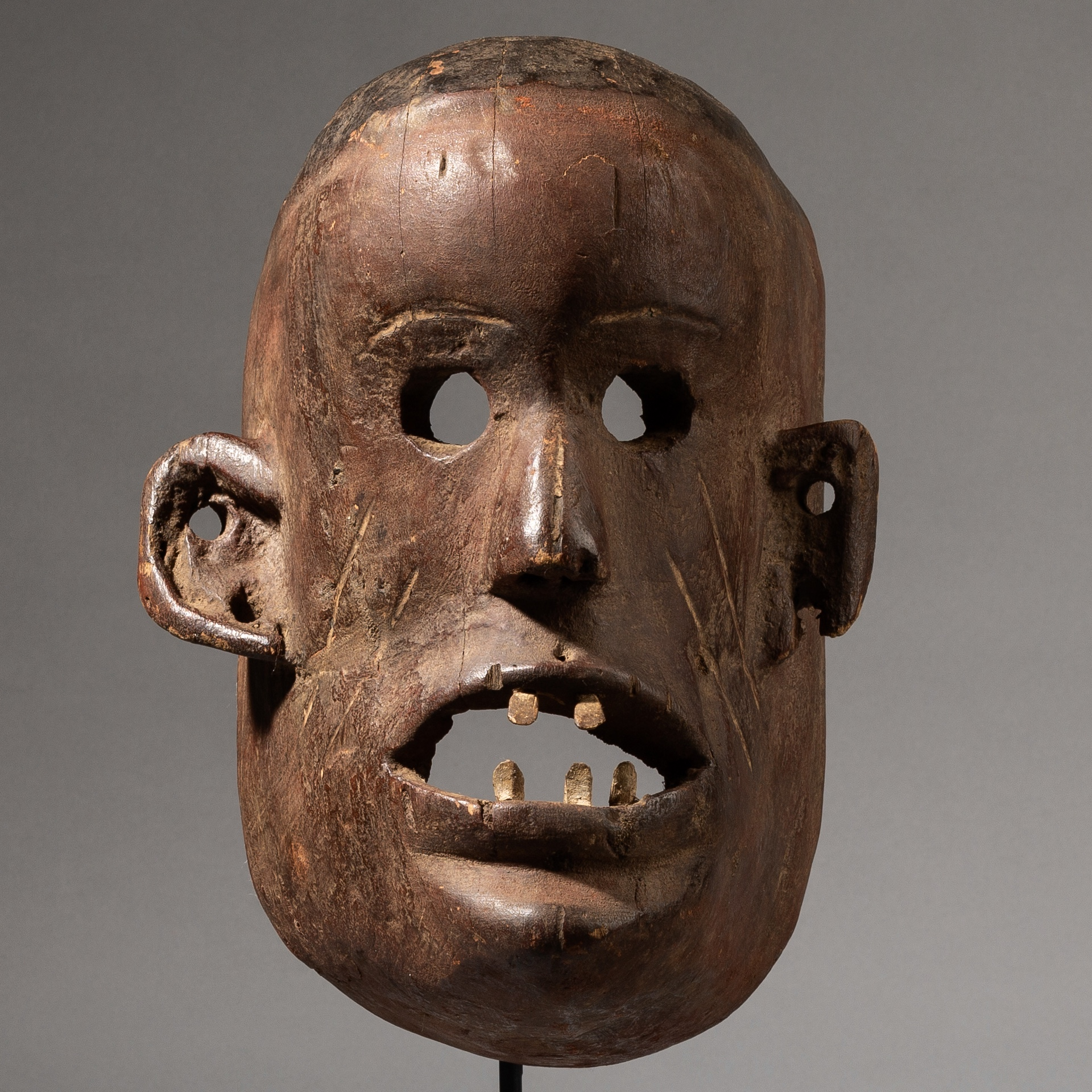 A LARGE IMPOSING SUKUMA TRIBE MASK FROM TANZANIA ( No 3553 )