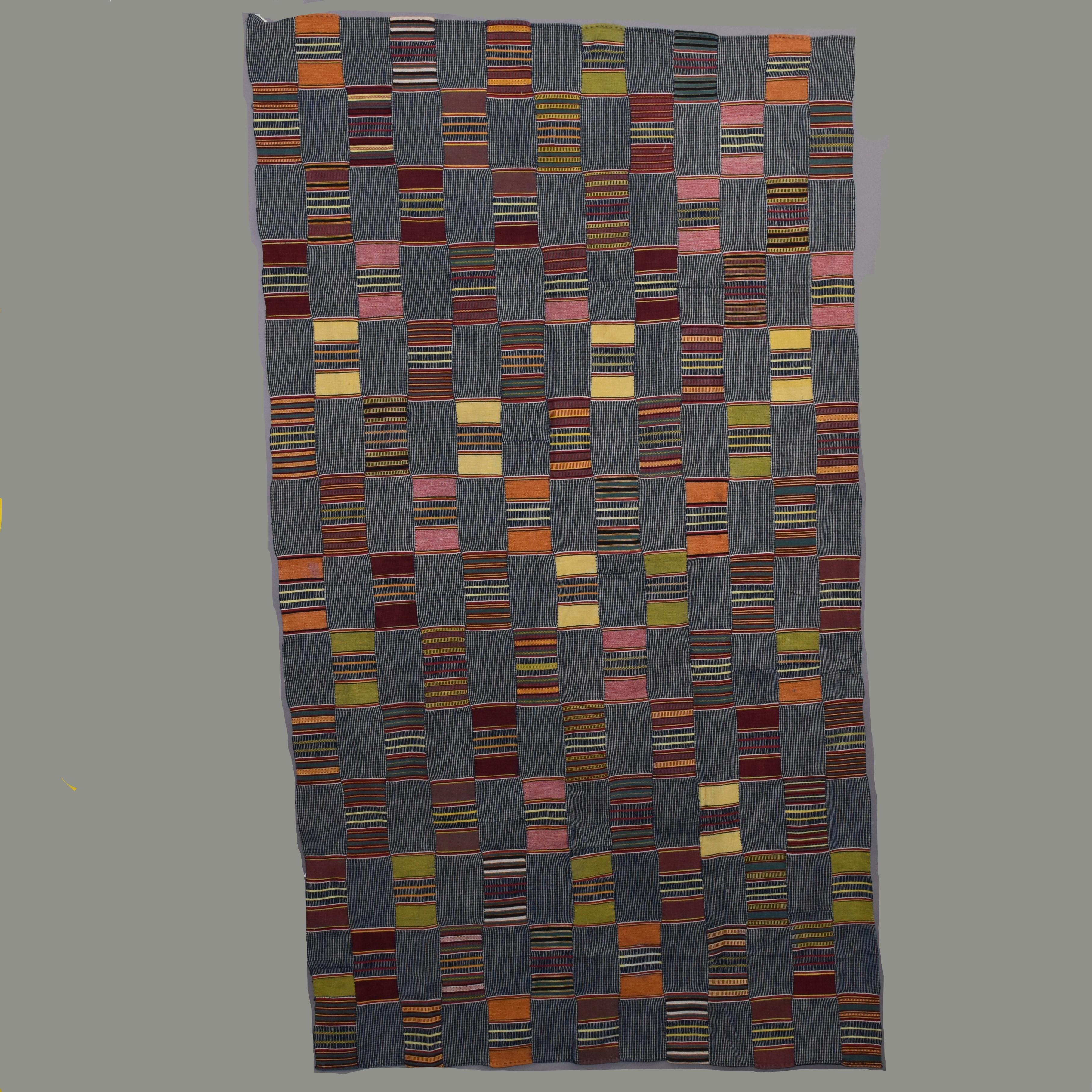 A HARMONIOUS EWE CLOTH FROM GHANA. ( No 680 )