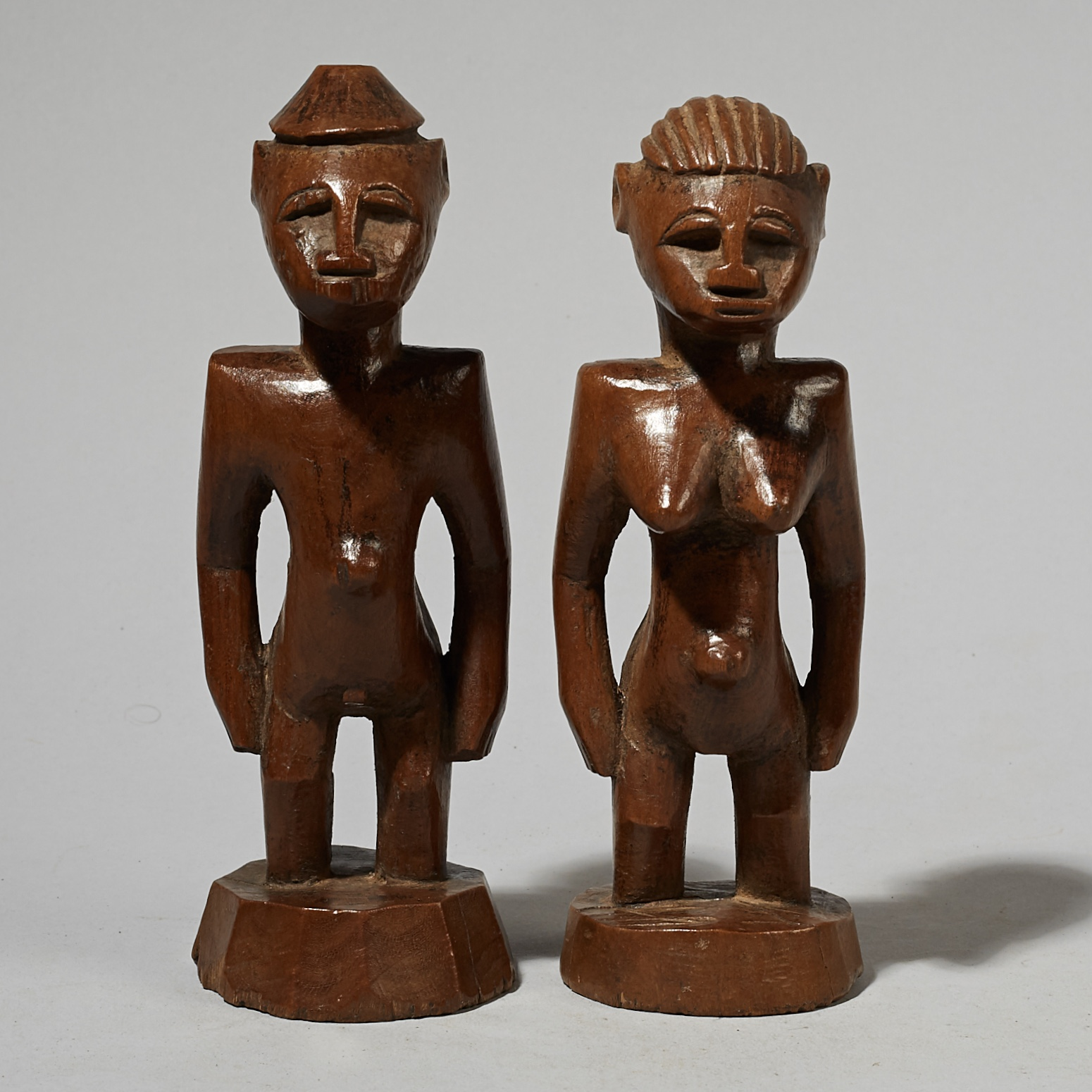 AN EXCEPTIONAL PAIR OF SENOUFO FIGURES FROM THE IVORY COAST ( No 4081)