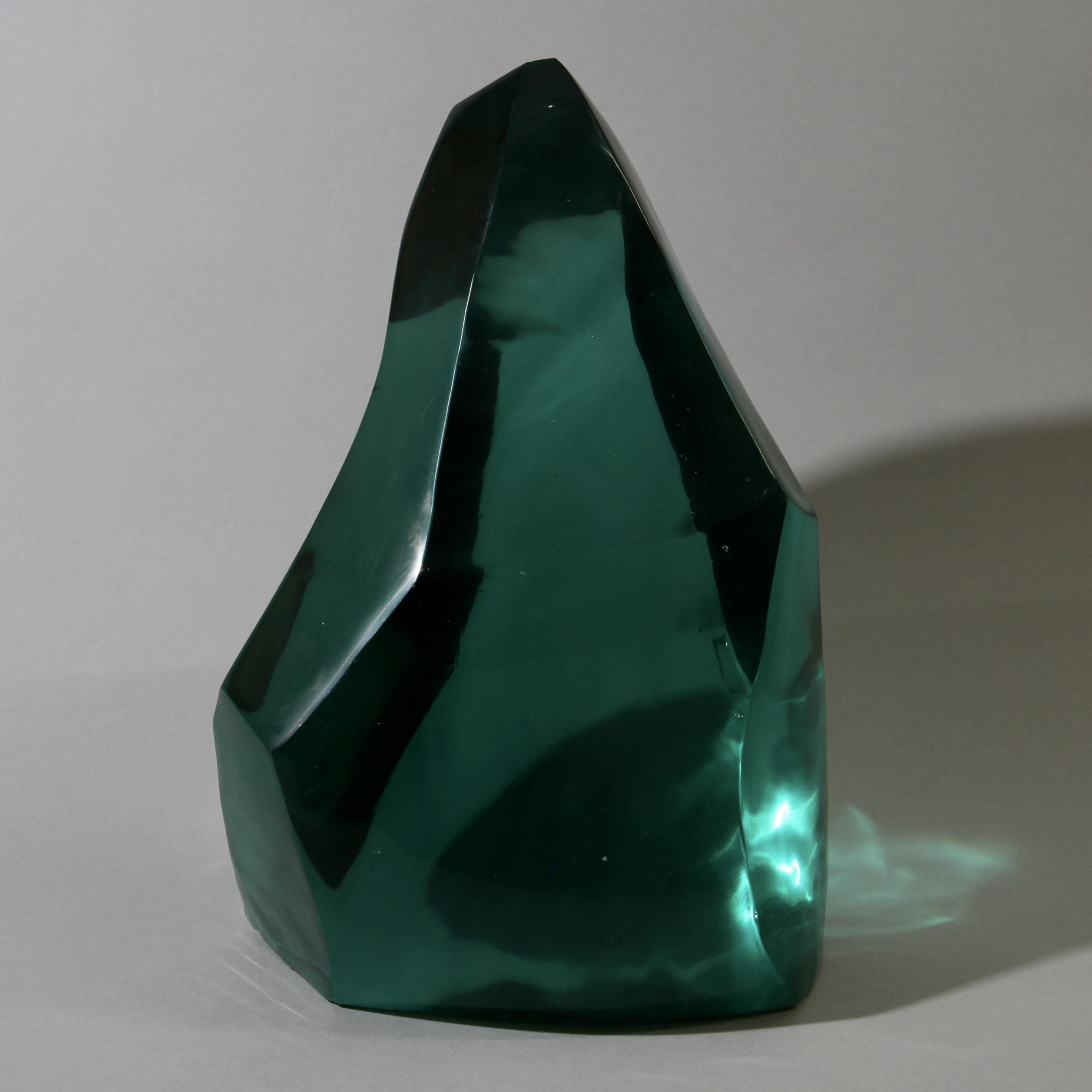 A DEEP DARK GREEN SHARD OF GLASS ( No 1787 )